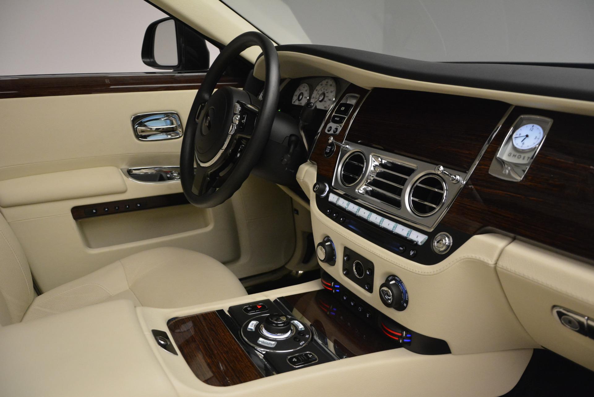 Used 2013 Rolls-Royce Ghost  For Sale In Westport, CT 739_p47