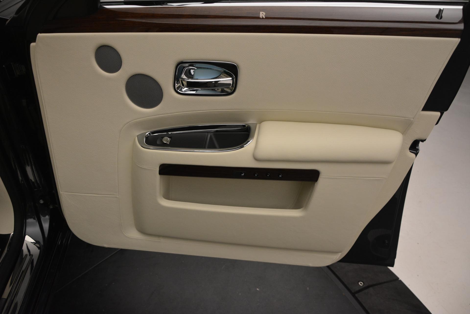 Used 2013 Rolls-Royce Ghost  For Sale In Westport, CT 739_p49