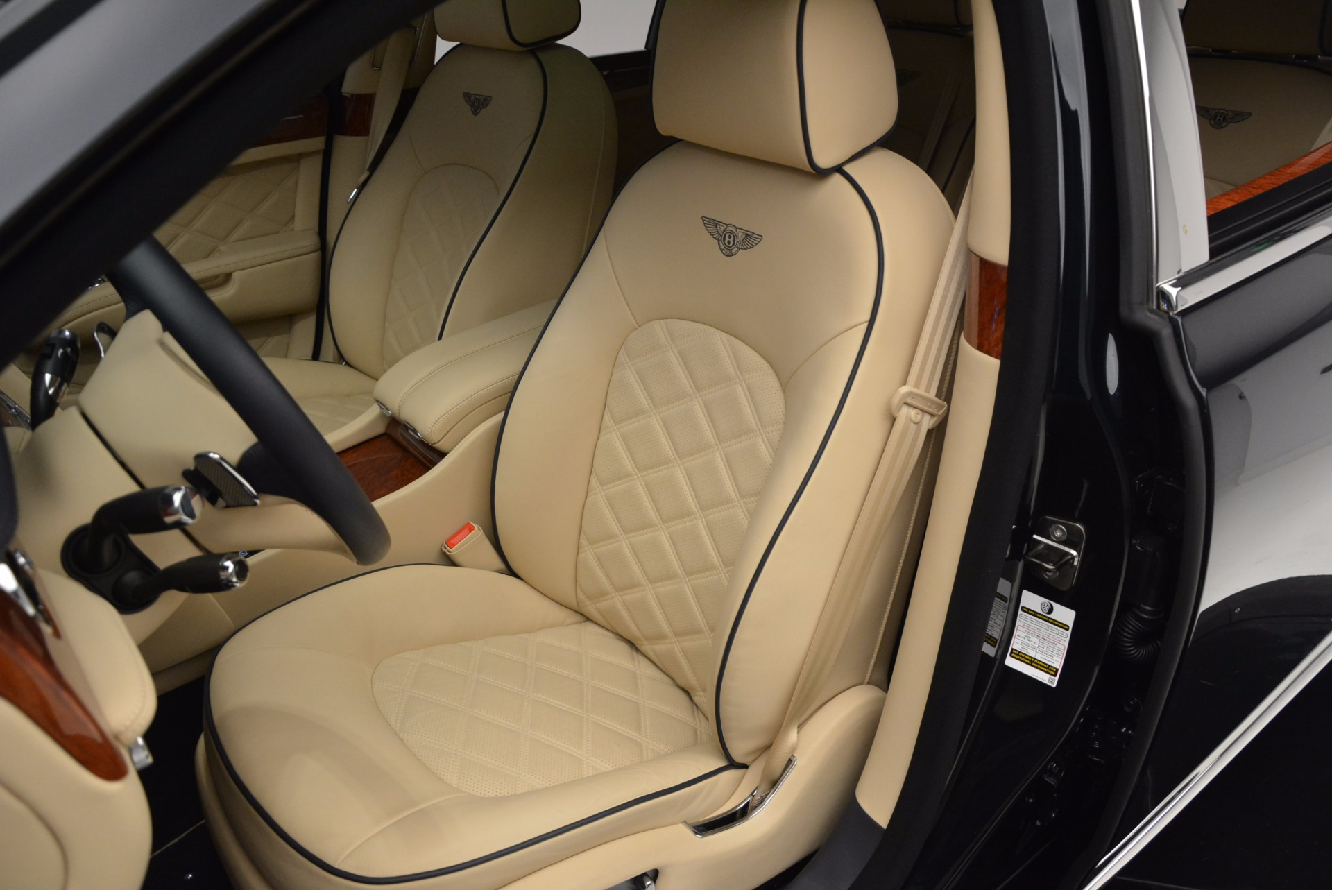 Used 2016 Bentley Mulsanne  For Sale In Westport, CT 742_p18