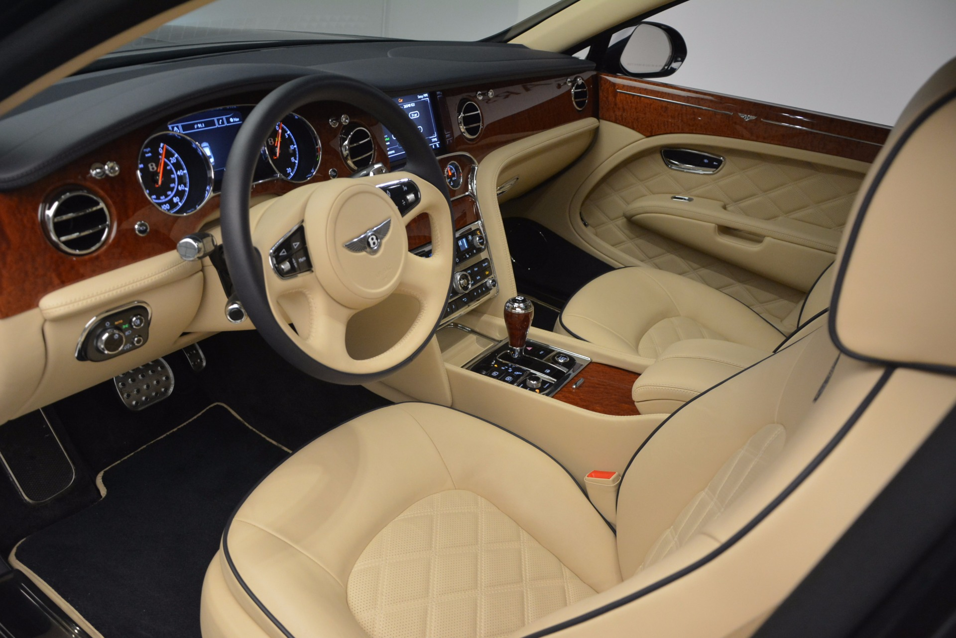 Used 2016 Bentley Mulsanne  For Sale In Westport, CT 742_p20
