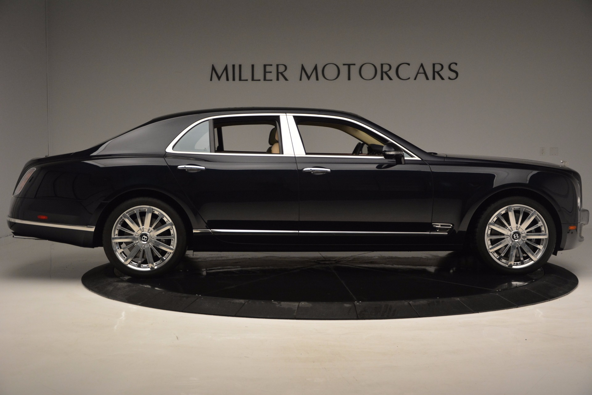 Used 2016 Bentley Mulsanne  For Sale In Westport, CT 742_p7
