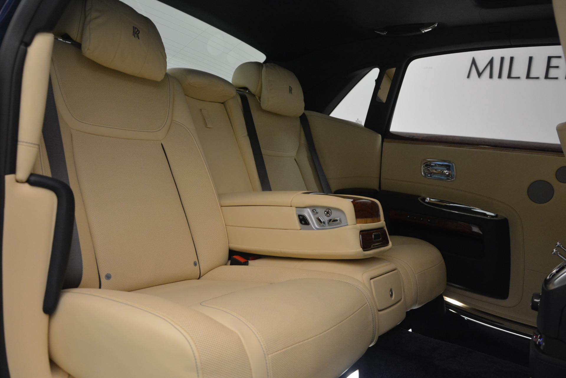 Used 2016 Rolls-Royce Ghost EWB For Sale In Westport, CT 746_p37