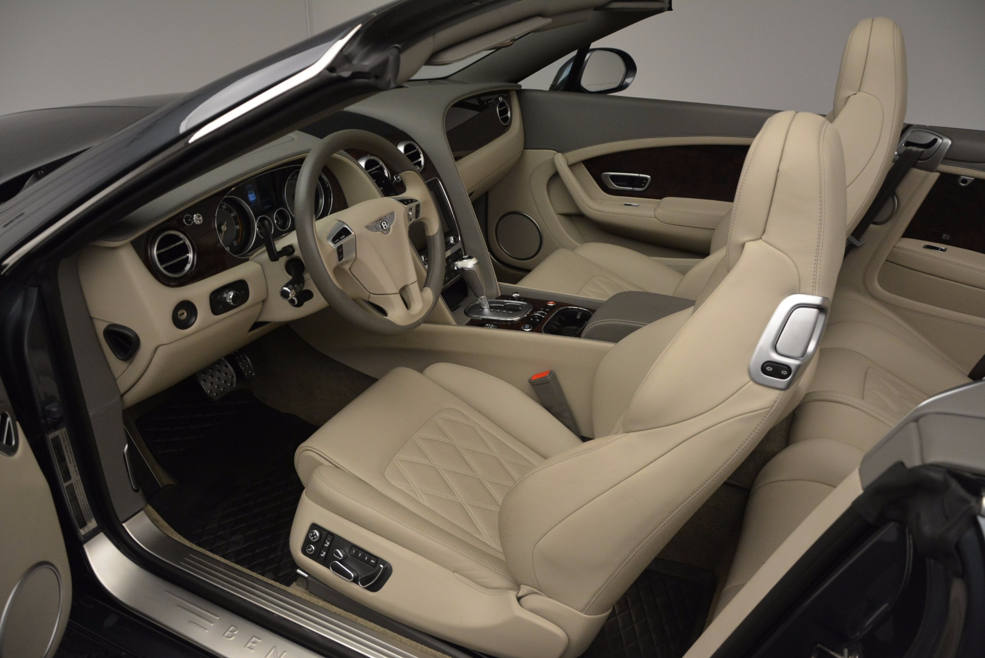 Used 2014 Bentley Continental GT V8 For Sale In Westport, CT 753_p38
