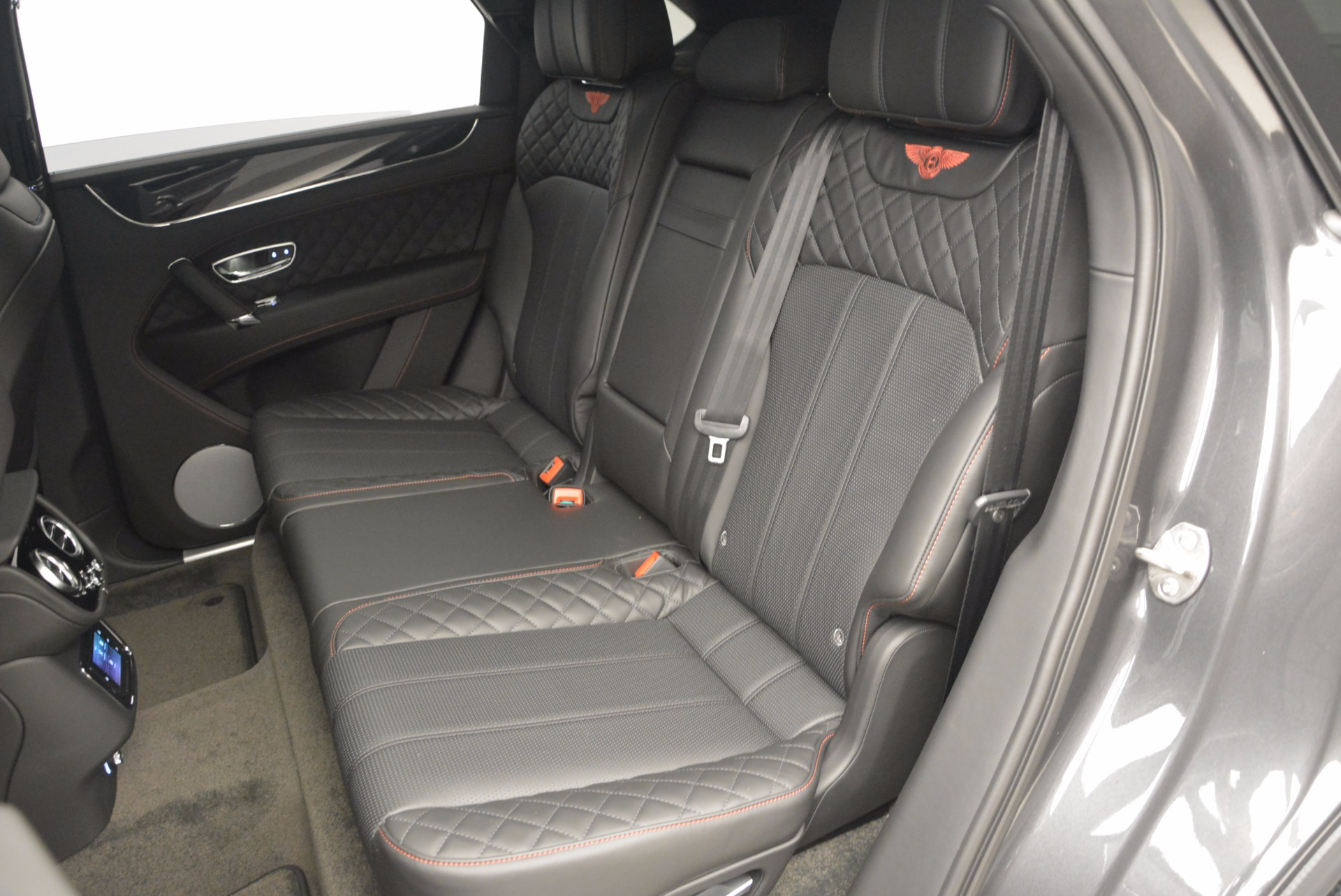 New 2017 Bentley Bentayga  For Sale In Westport, CT 755_p33