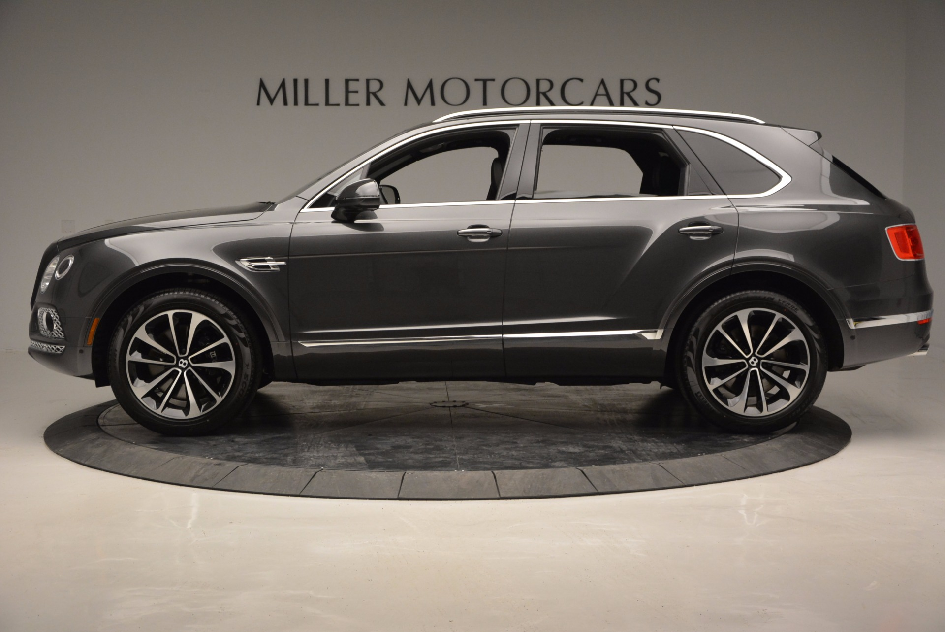 New 2017 Bentley Bentayga  For Sale In Westport, CT 755_p3