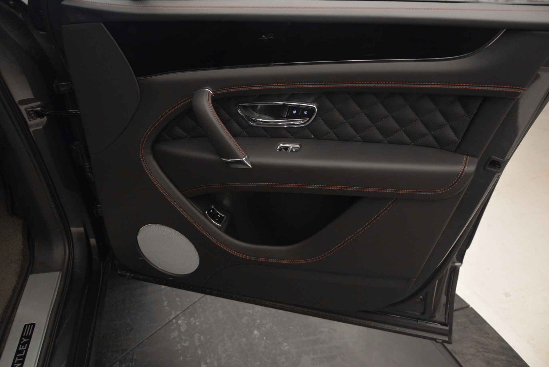 New 2017 Bentley Bentayga  For Sale In Westport, CT 755_p45