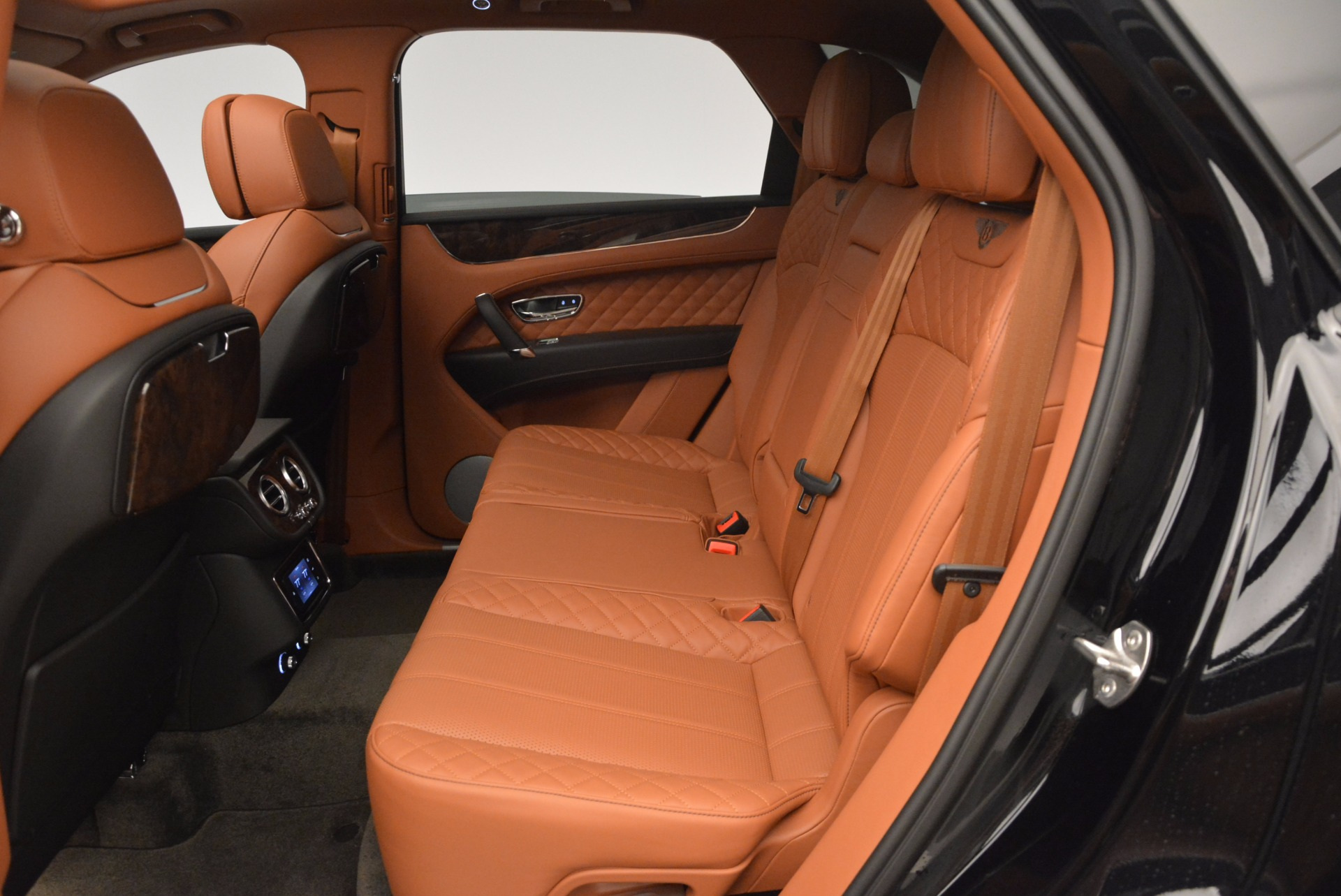 New 2017 Bentley Bentayga  For Sale In Westport, CT 757_p35