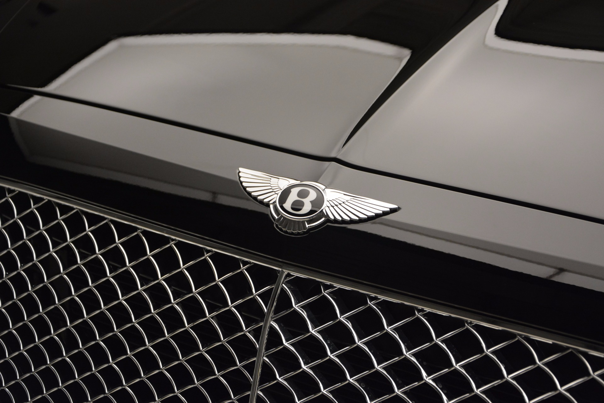 Used 2017 Bentley Bentayga  For Sale In Westport, CT 758_p14