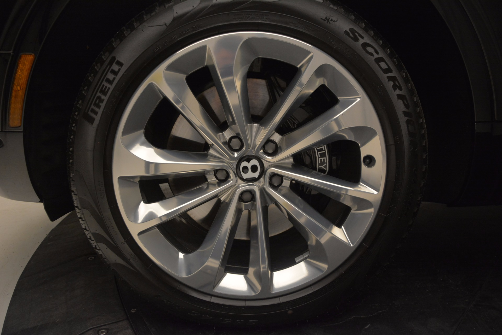 Used 2017 Bentley Bentayga  For Sale In Westport, CT 758_p17