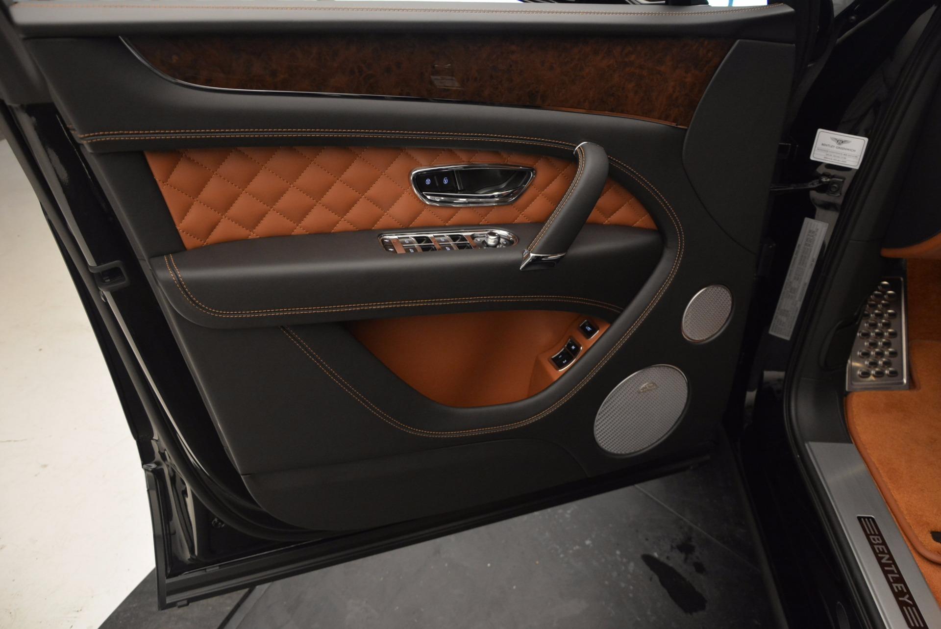 Used 2017 Bentley Bentayga  For Sale In Westport, CT 758_p21