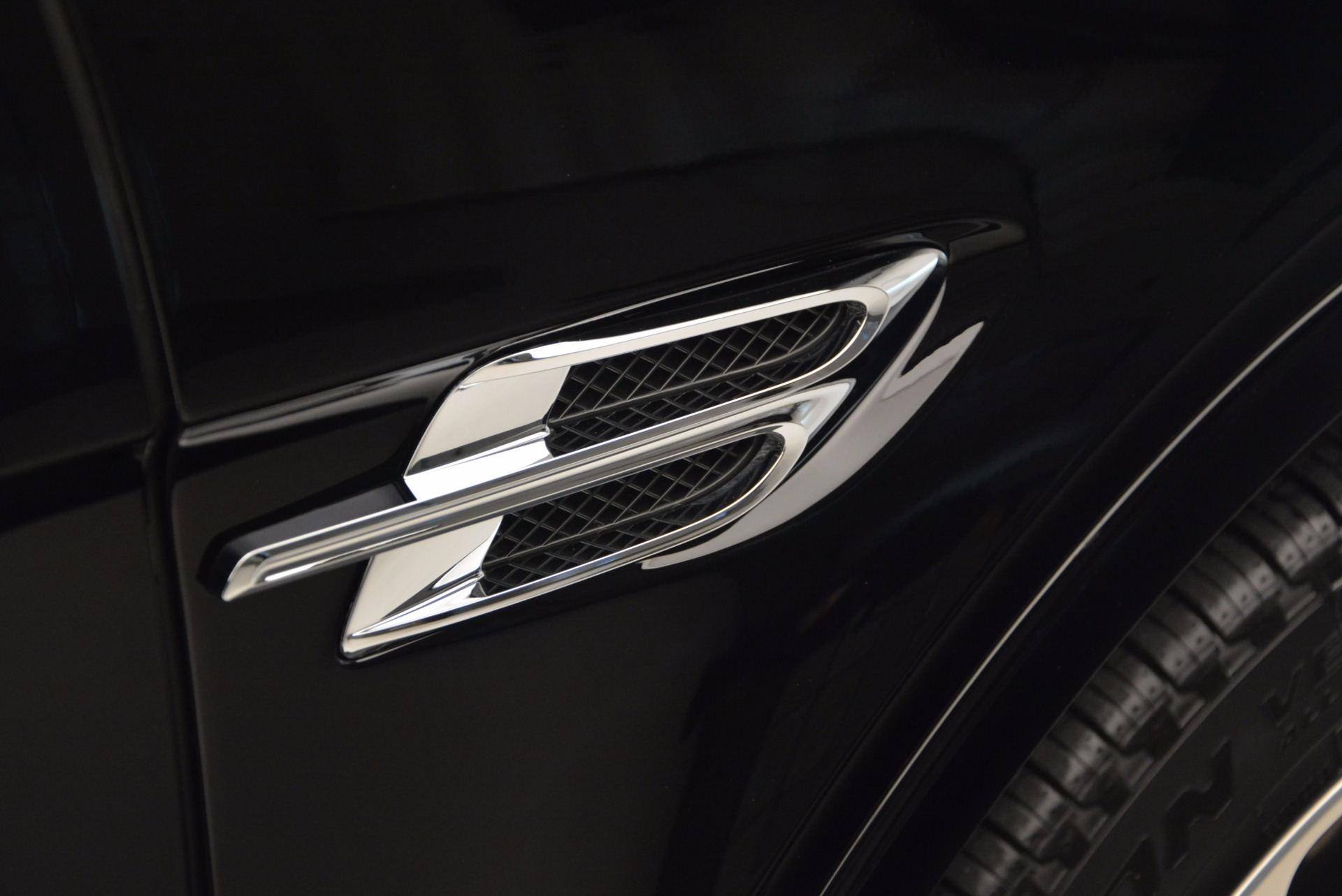Used 2017 Bentley Bentayga  For Sale In Westport, CT 758_p42