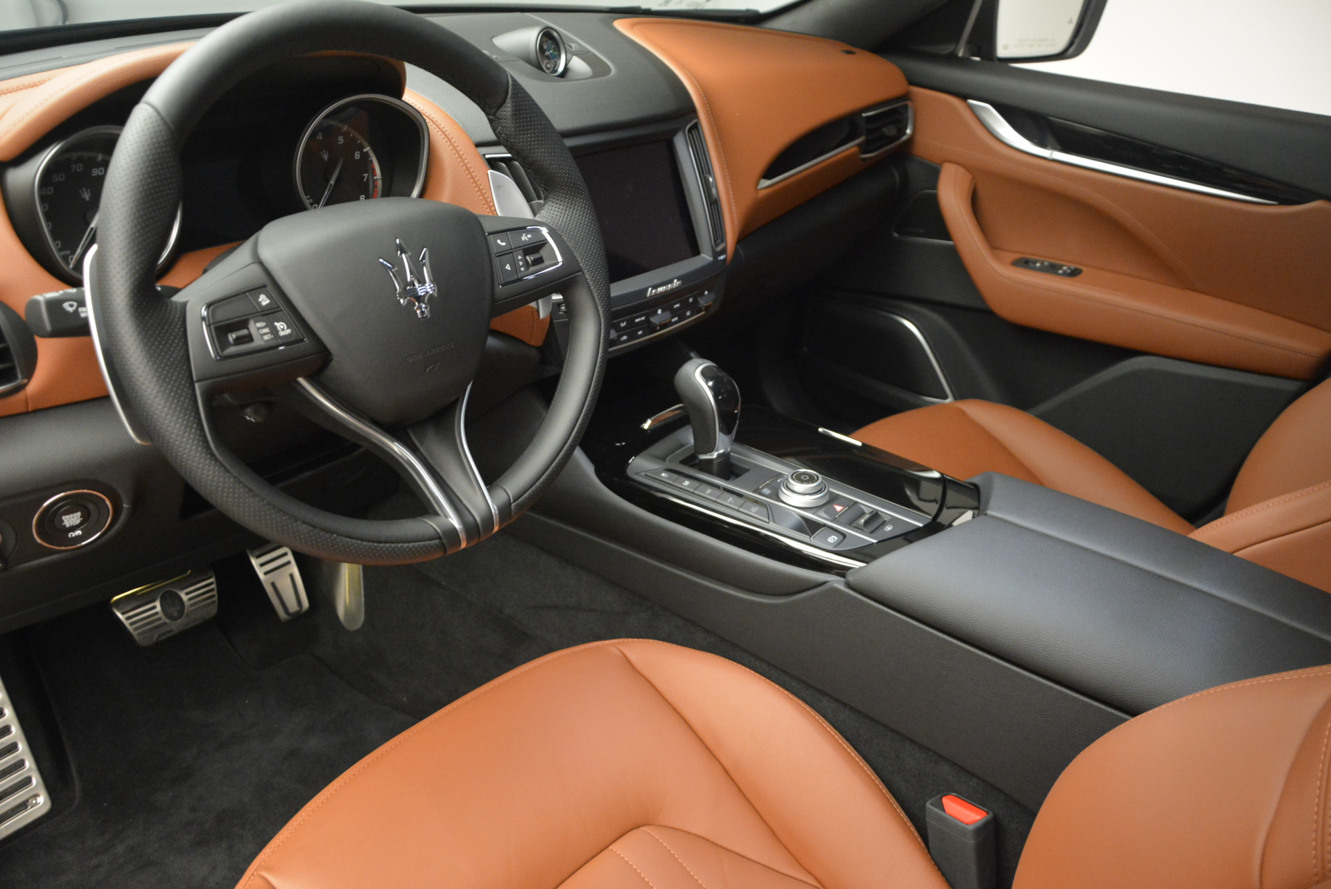 New 2017 Maserati Levante  For Sale In Westport, CT 765_p14