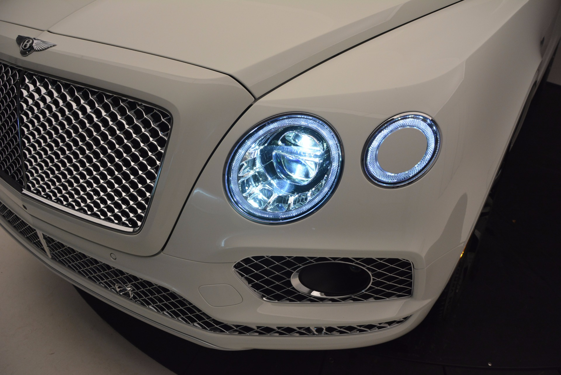 New 2017 Bentley Bentayga  For Sale In Westport, CT 794_p18