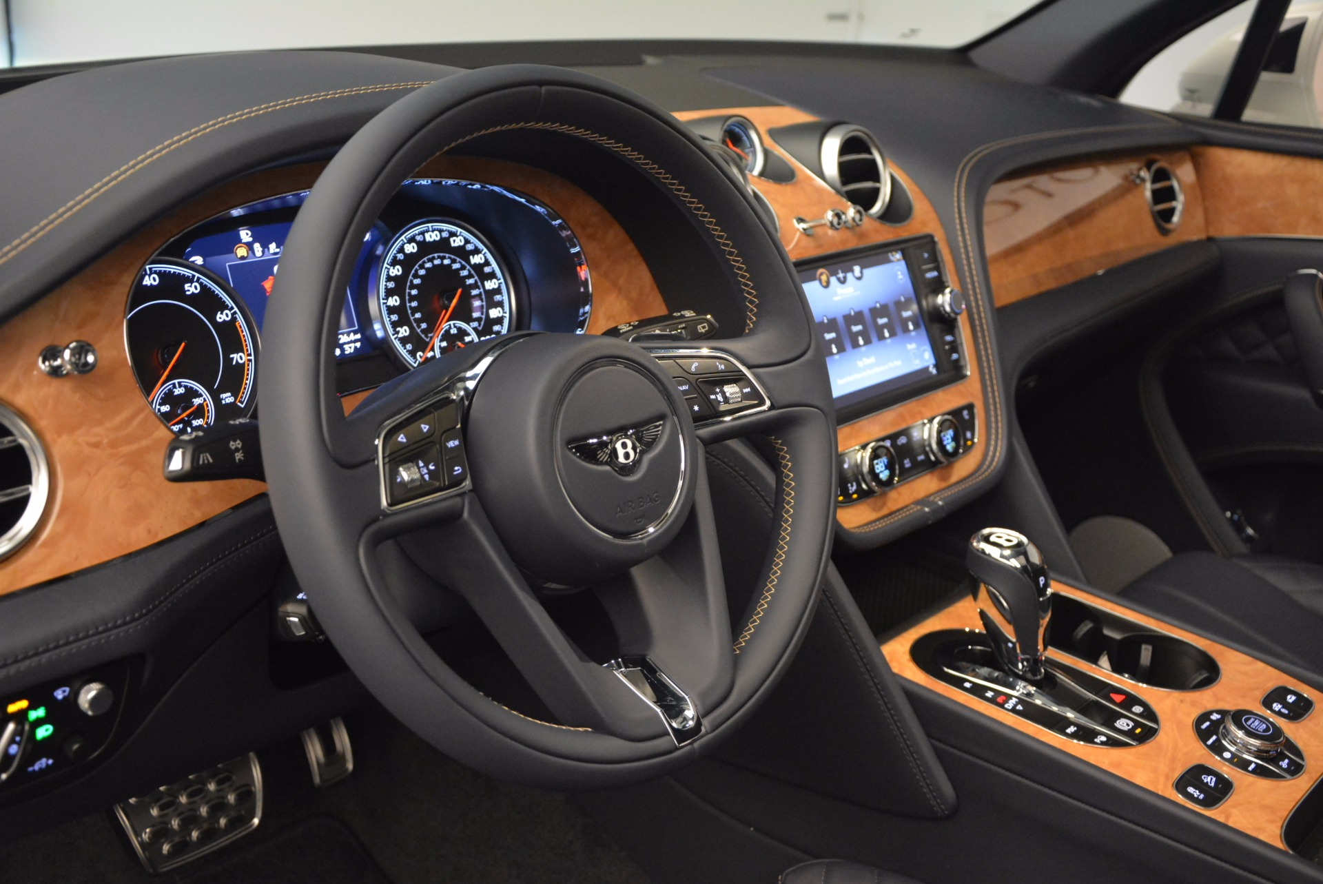 New 2017 Bentley Bentayga  For Sale In Westport, CT 794_p27