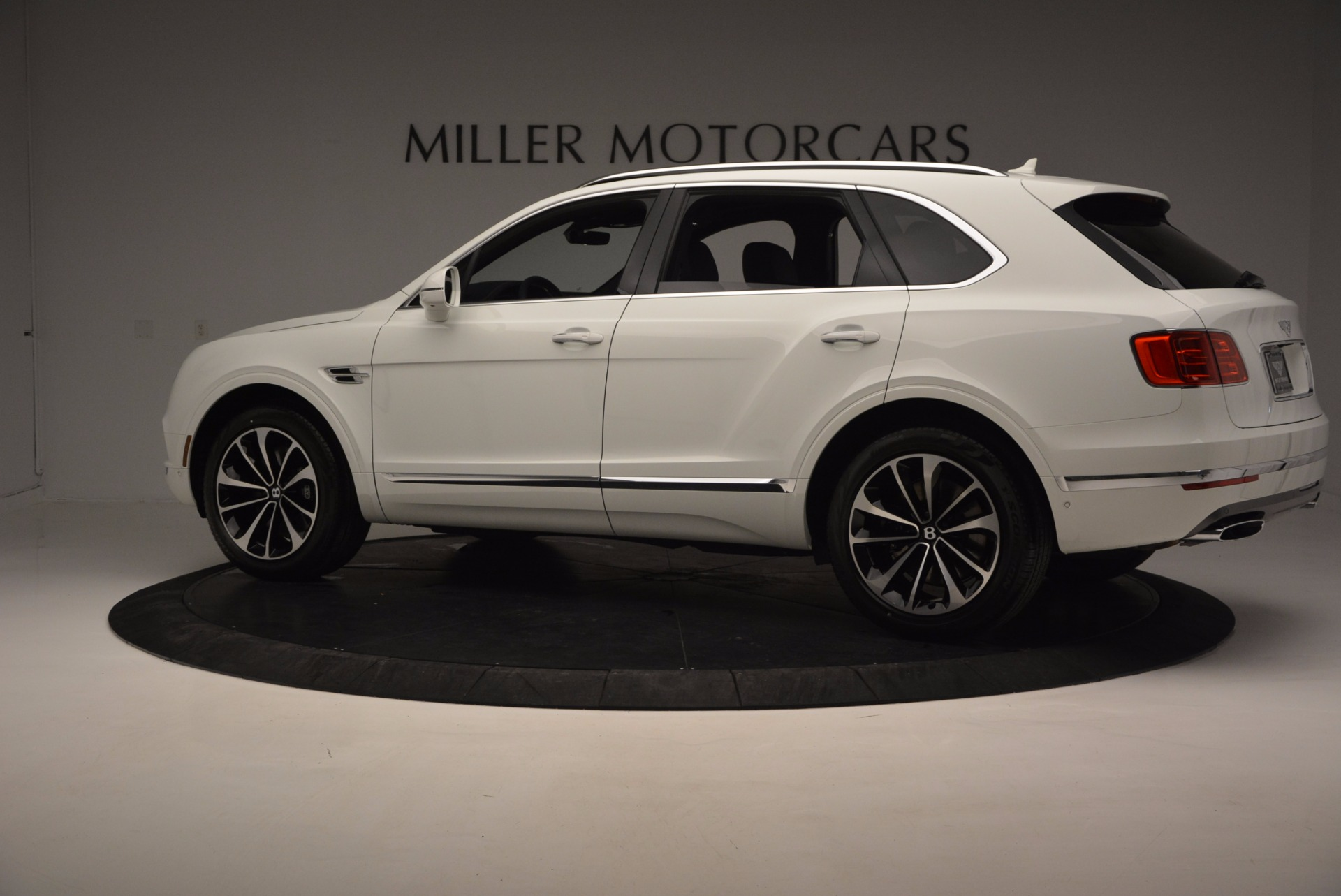 New 2017 Bentley Bentayga  For Sale In Westport, CT 794_p4