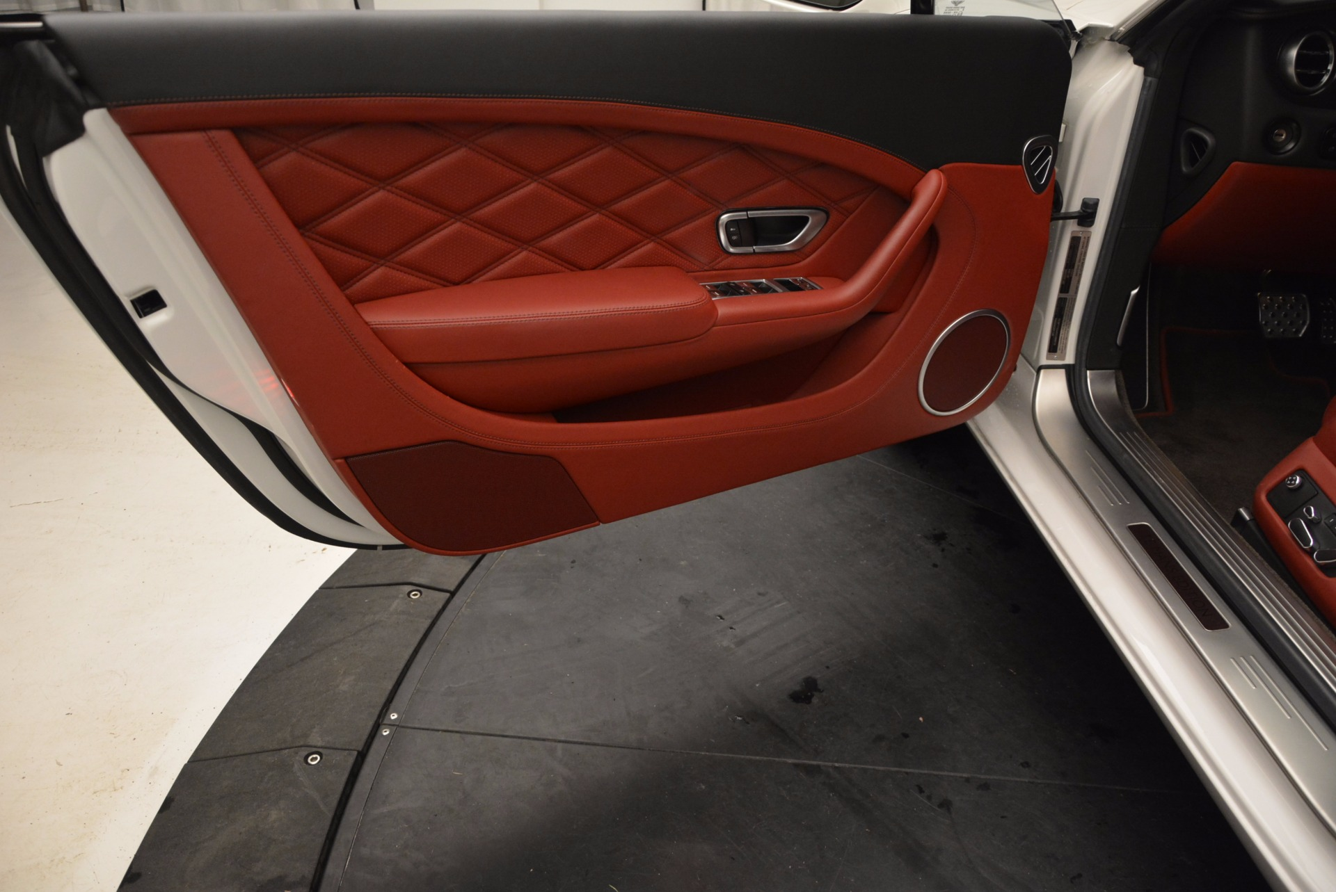 Used 2013 Bentley Continental GT V8 For Sale In Westport, CT 802_p24