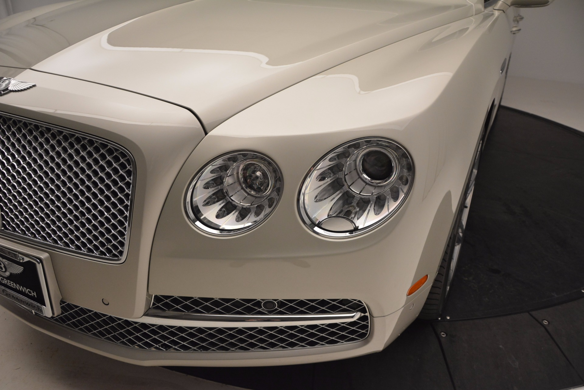 Used 2016 Bentley Flying Spur W12  For Sale In Westport, CT 804_p18