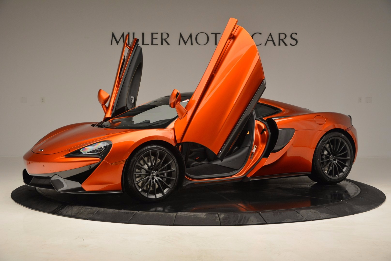 New 2017 McLaren 570GT  For Sale In Westport, CT 833_p14