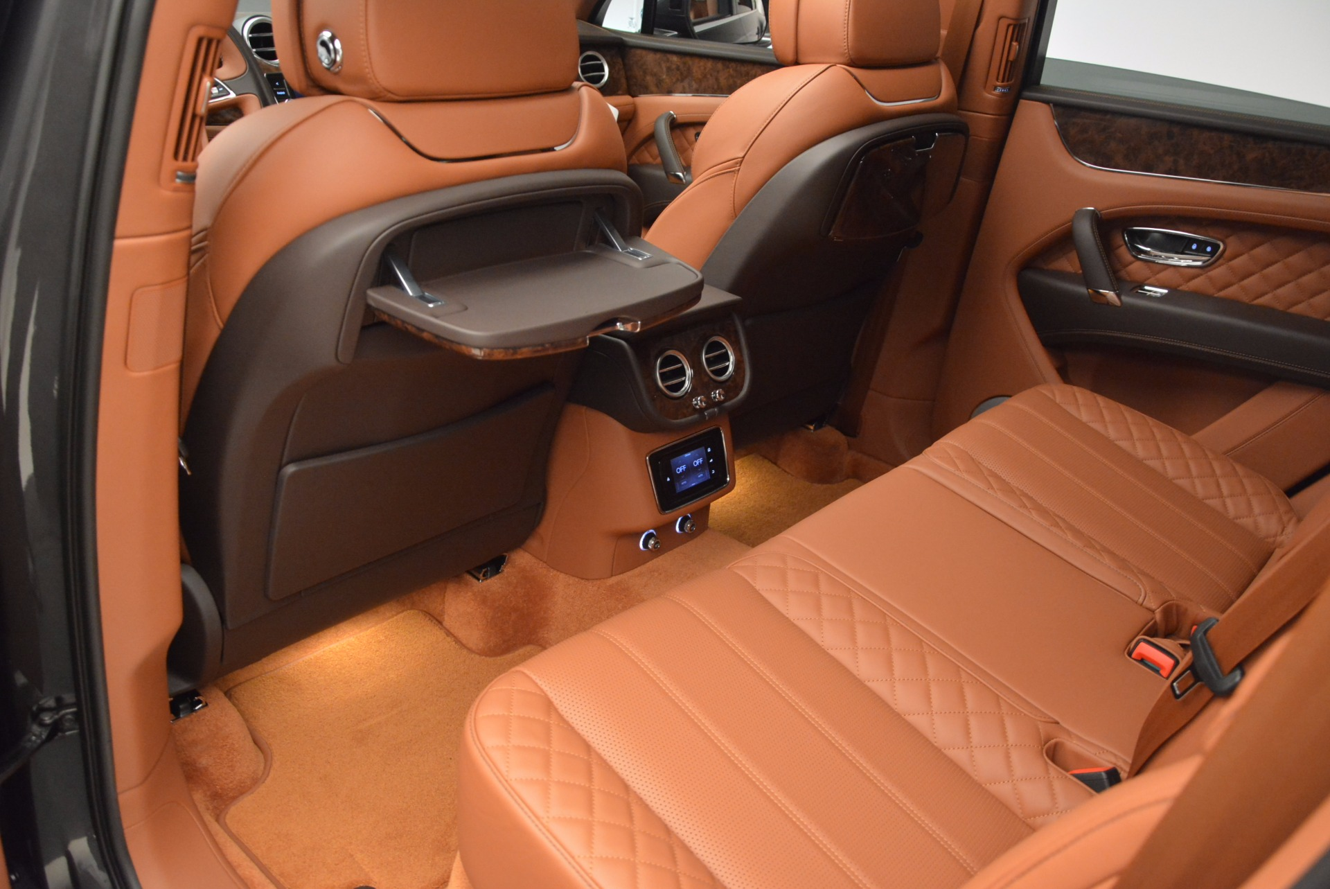 New 2017 Bentley Bentayga  For Sale In Westport, CT 852_p34