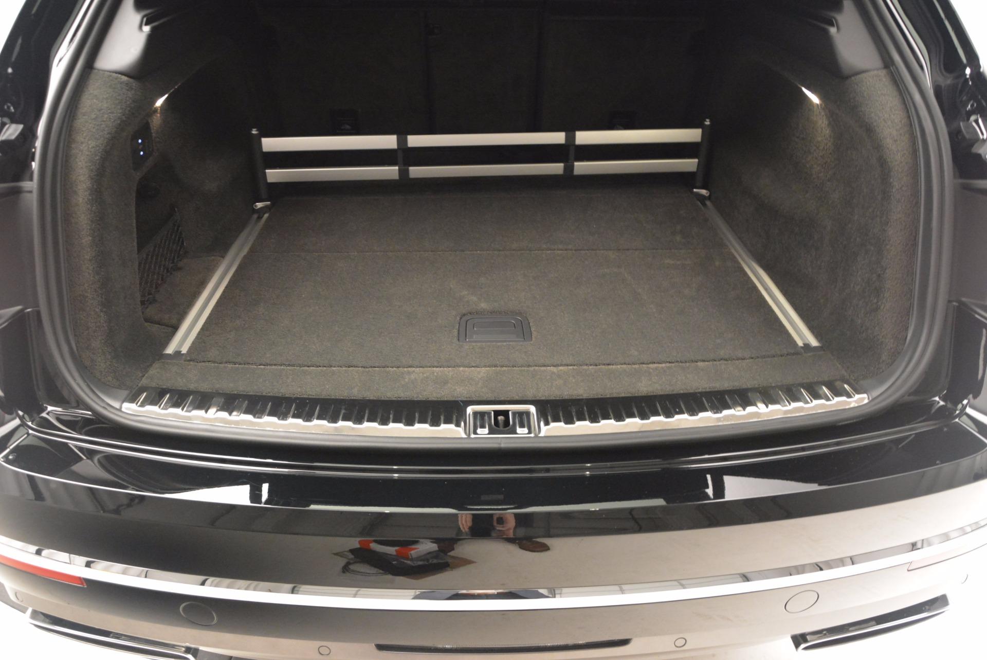 Used 2017 Bentley Bentayga  For Sale In Westport, CT 853_p40