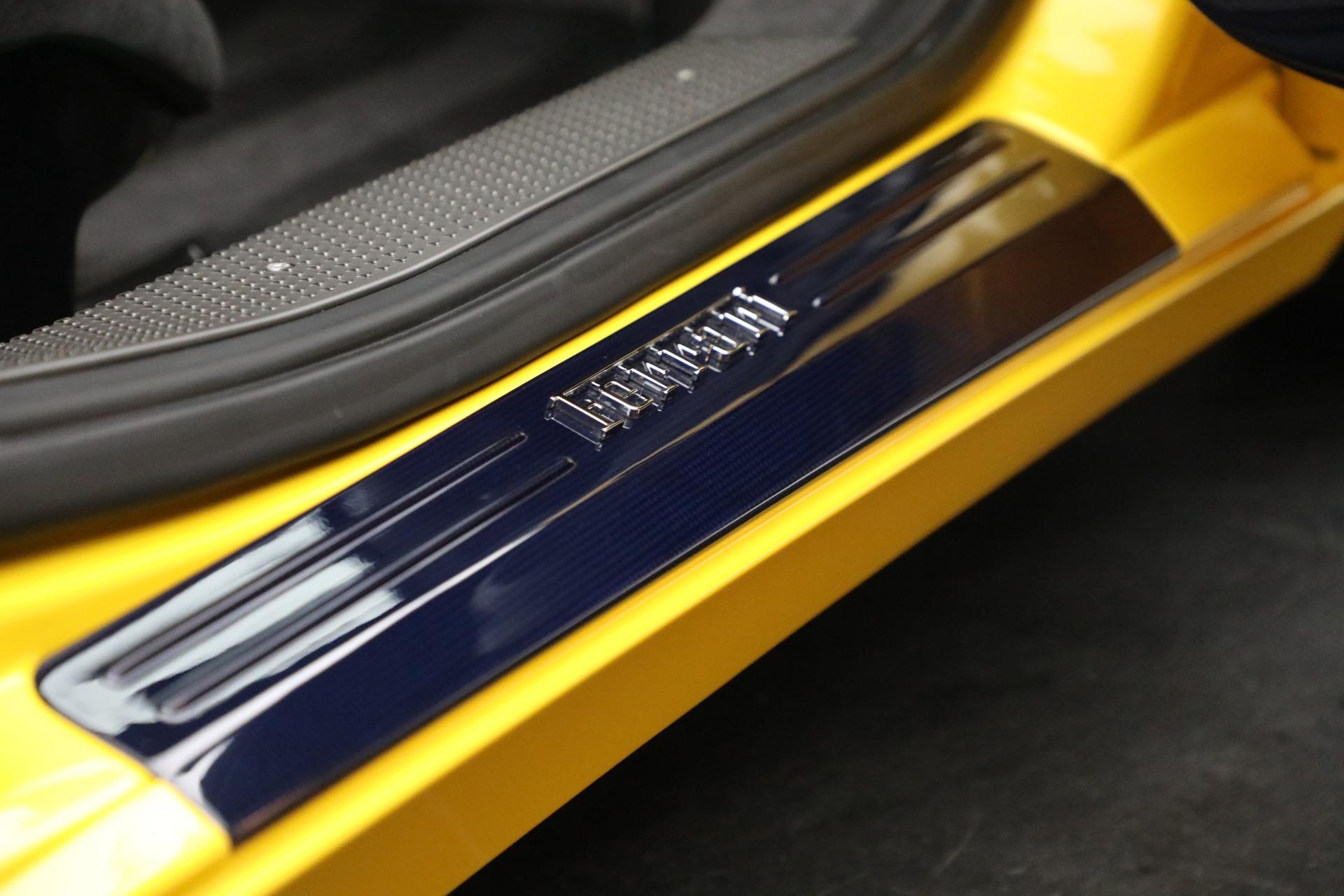 Used 2015 Ferrari 458 Speciale  For Sale In Westport, CT 857_p24