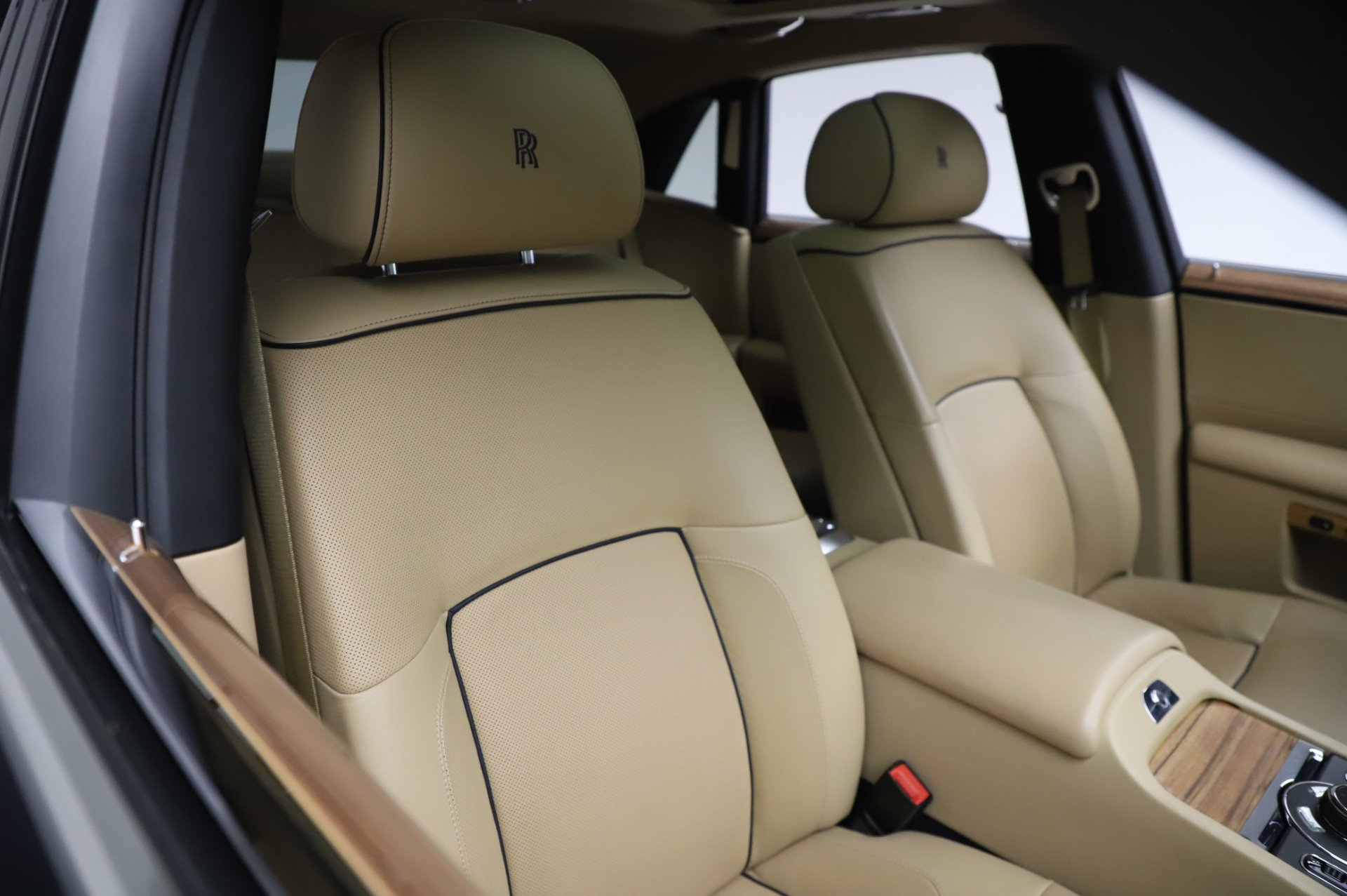 Used 2014 Rolls-Royce Ghost V-Spec For Sale In Westport, CT 858_p10