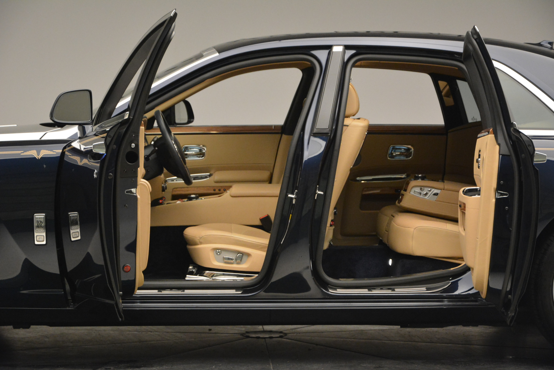 Used 2014 Rolls-Royce Ghost V-Spec For Sale In Westport, CT 858_p19