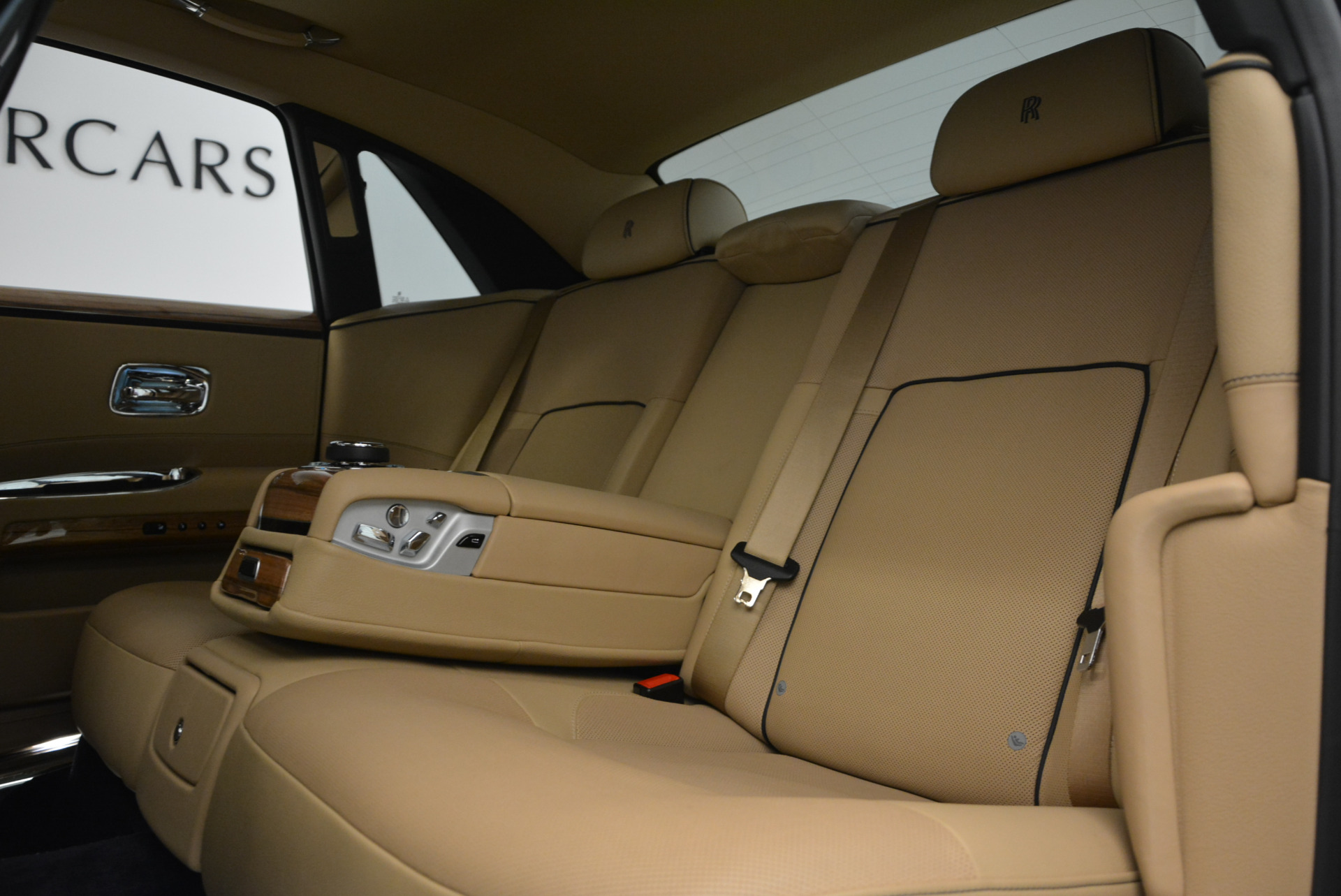 Used 2014 Rolls-Royce Ghost V-Spec For Sale In Westport, CT 858_p30