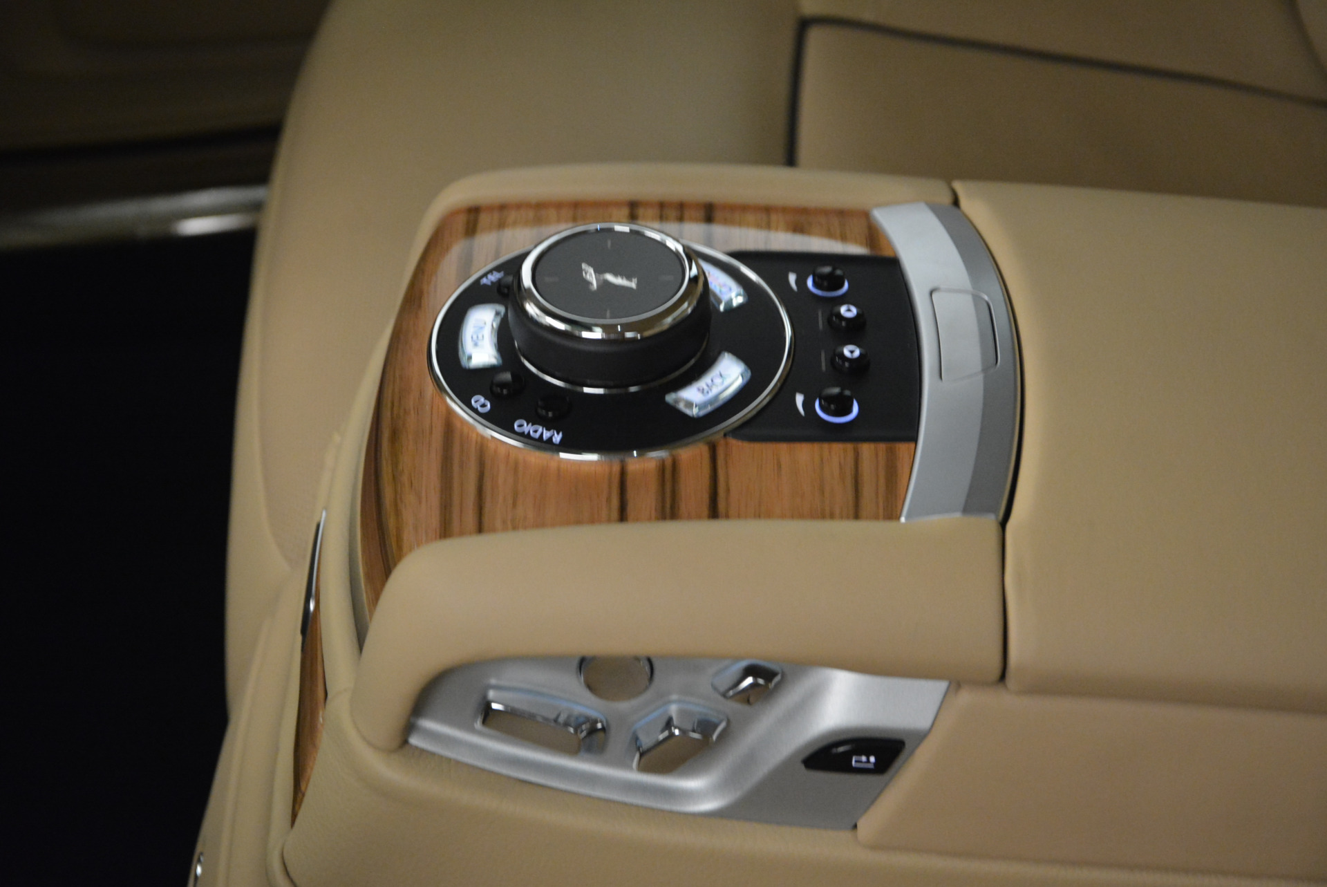 Used 2014 Rolls-Royce Ghost V-Spec For Sale In Westport, CT 858_p32