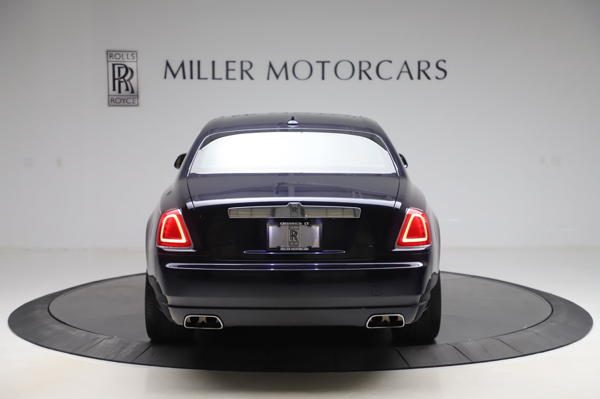 Used 2014 Rolls-Royce Ghost V-Spec For Sale In Westport, CT 858_p5