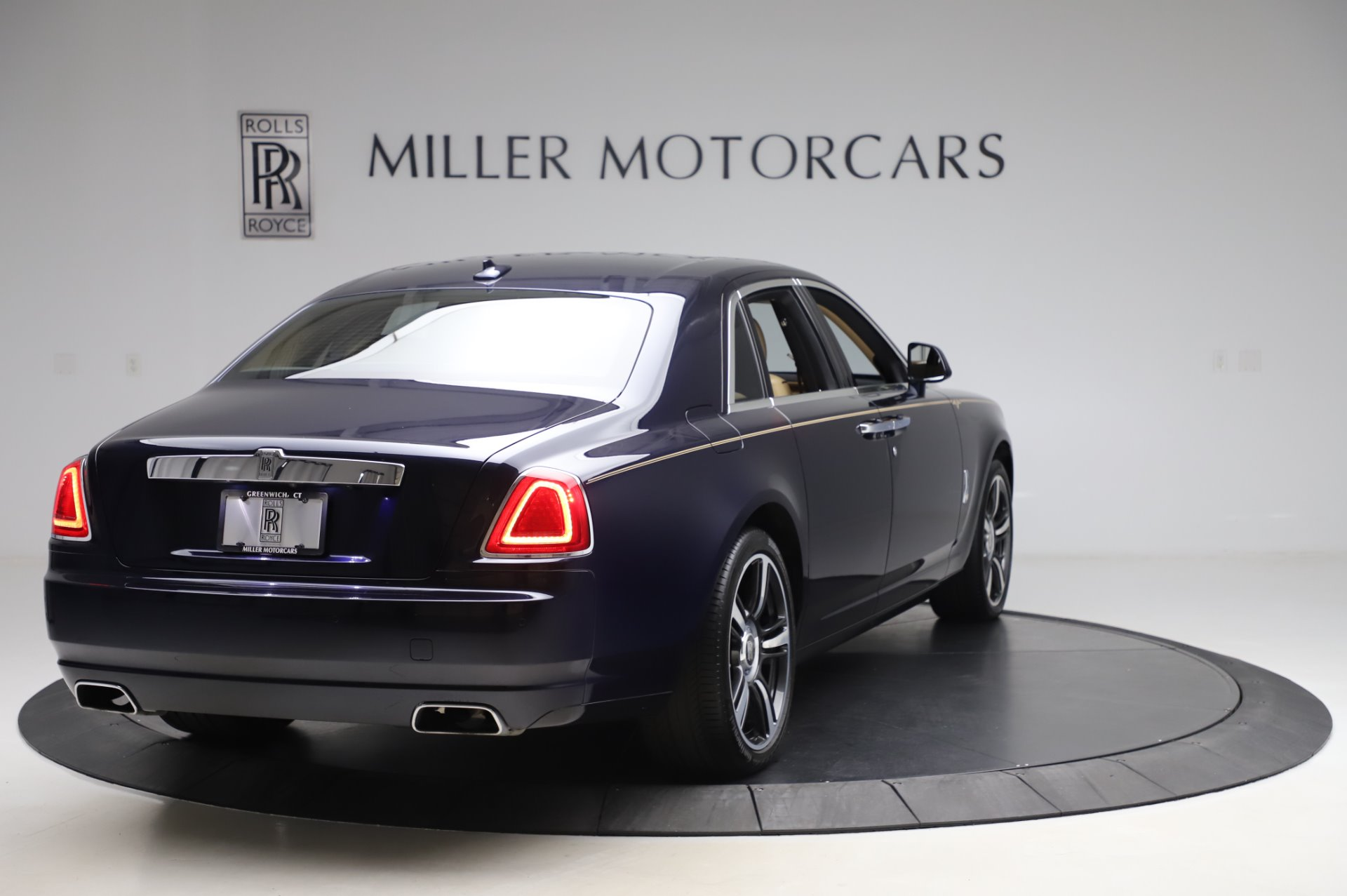 Used 2014 Rolls-Royce Ghost V-Spec For Sale In Westport, CT 858_p6
