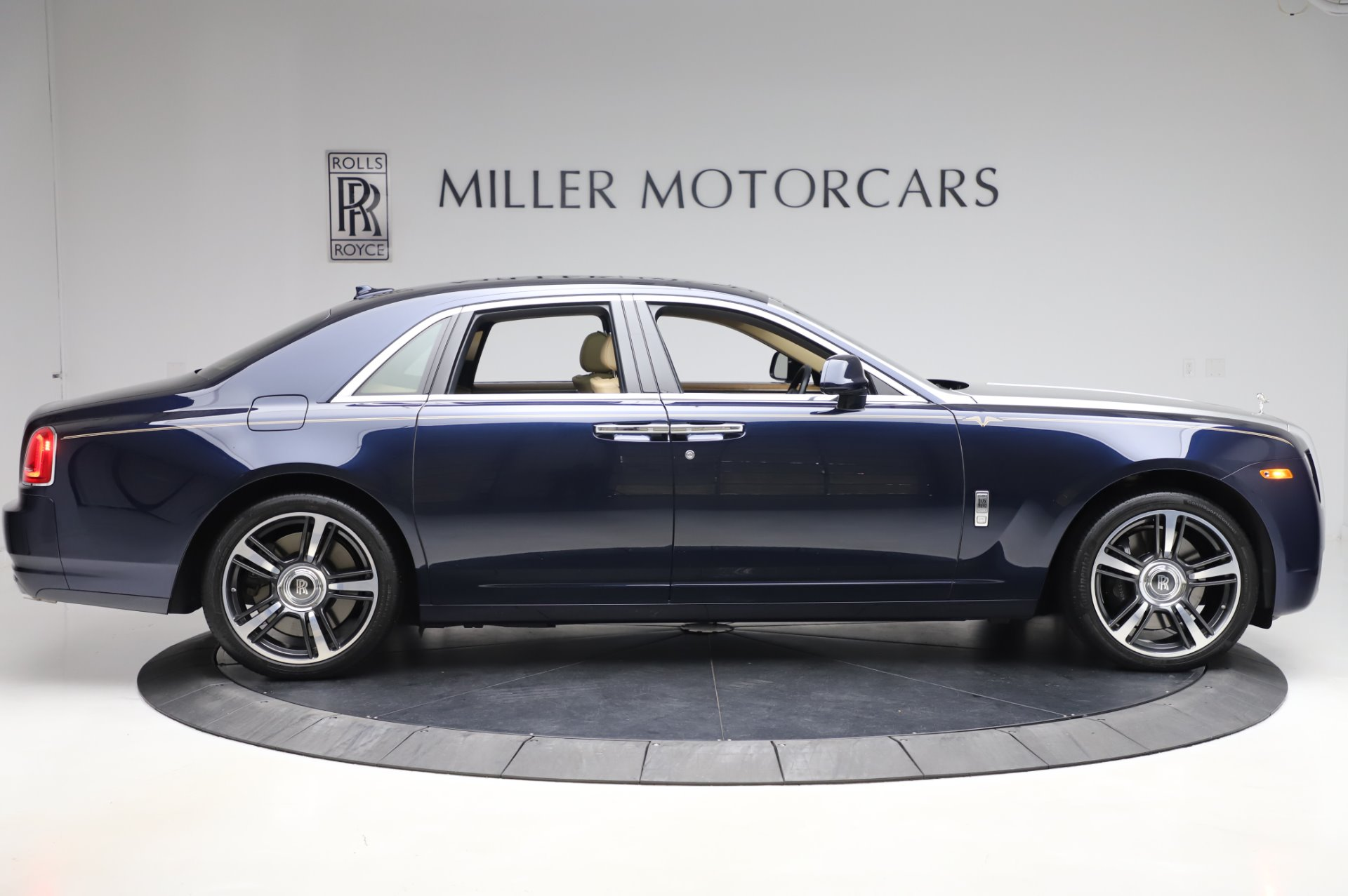 Used 2014 Rolls-Royce Ghost V-Spec For Sale In Westport, CT 858_p7
