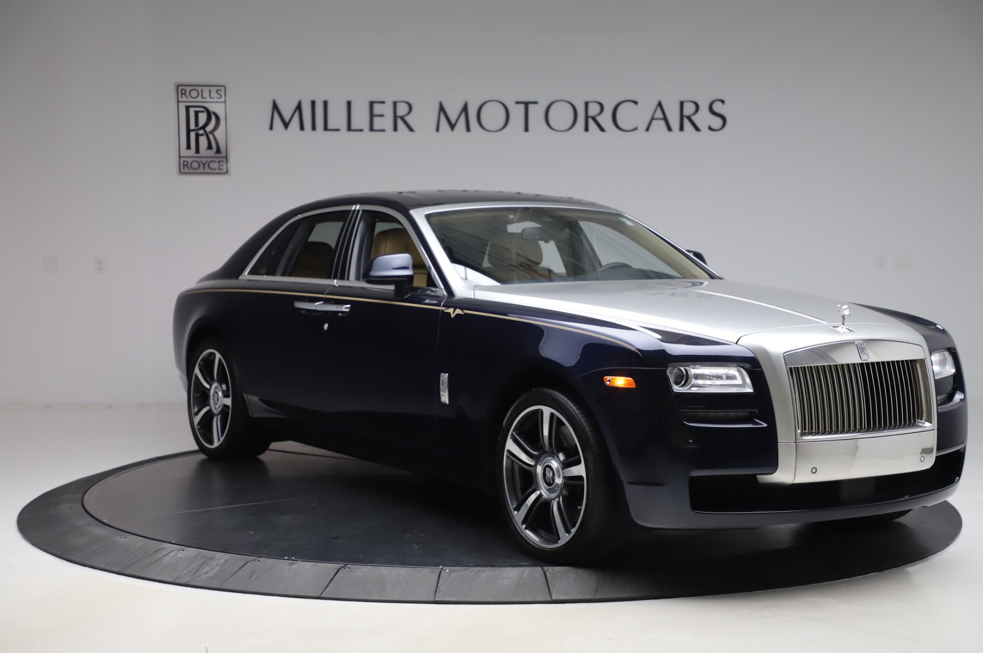 Used 2014 Rolls-Royce Ghost V-Spec For Sale In Westport, CT 858_p8