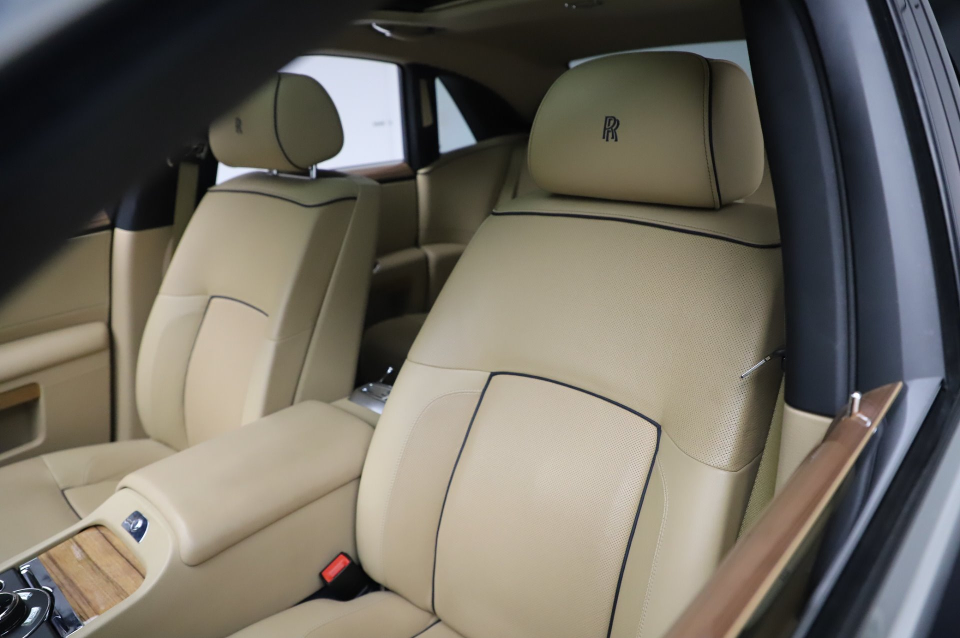 Used 2014 Rolls-Royce Ghost V-Spec For Sale In Westport, CT 858_p9