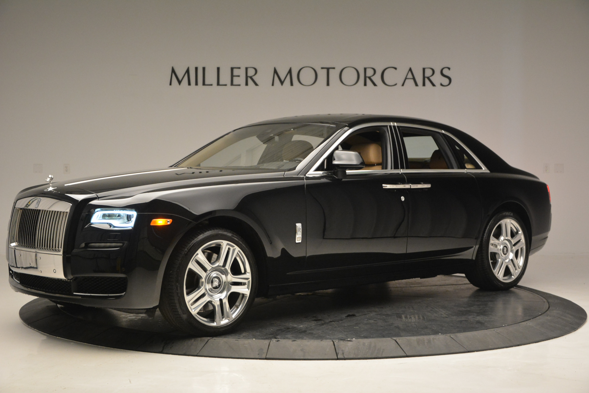 Used 2016 Rolls-Royce Ghost  For Sale In Westport, CT 898_p3