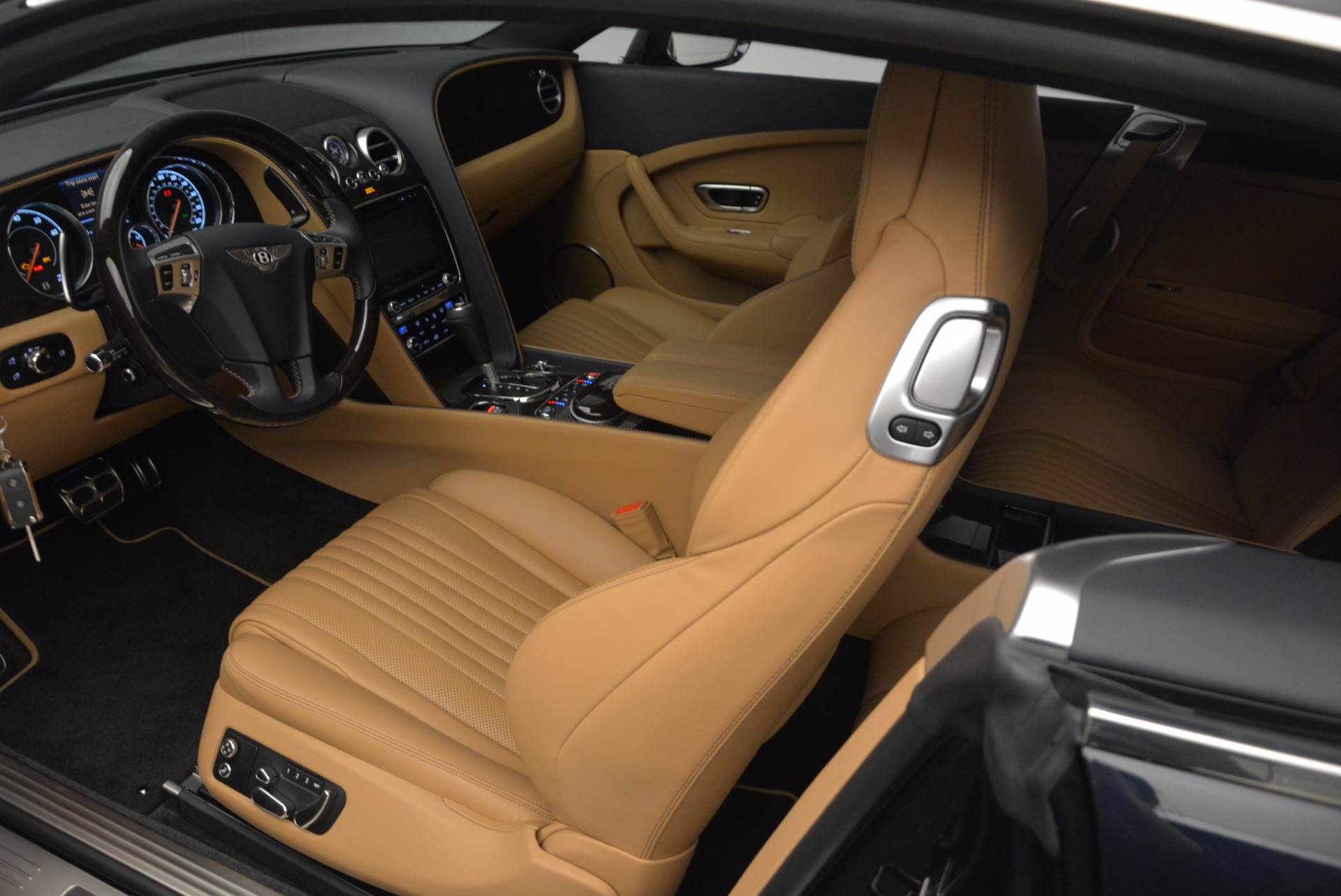 New 2017 Bentley Continental GT W12 For Sale In Westport, CT 904_p20