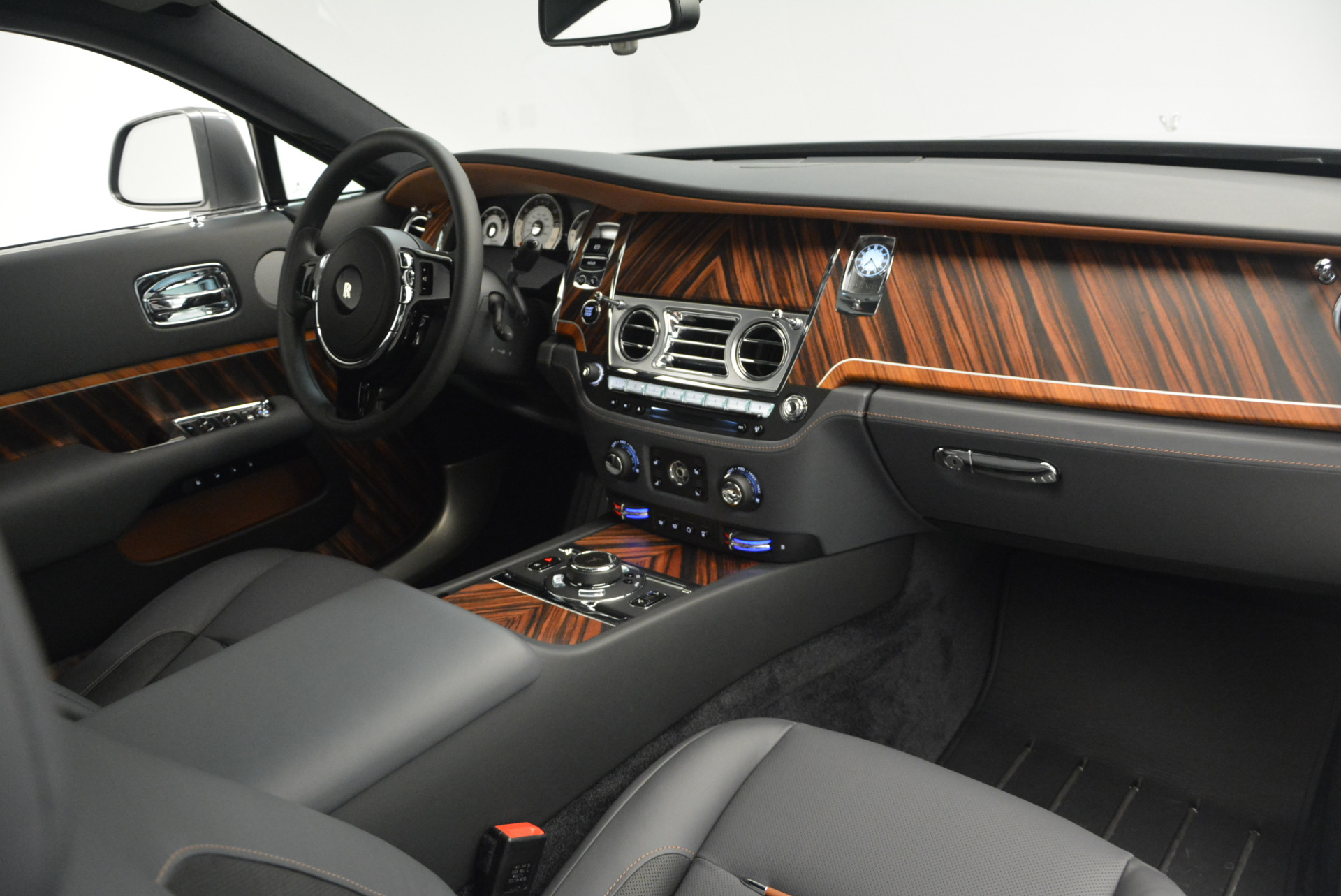 Used 2015 Rolls-Royce Wraith  For Sale In Westport, CT 906_p26