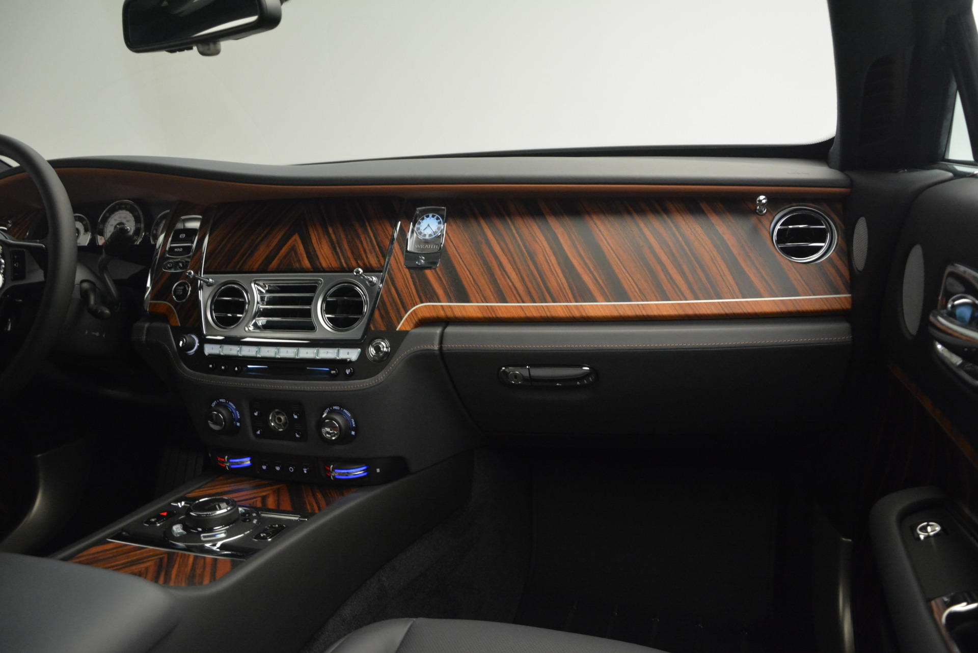 Used 2015 Rolls-Royce Wraith  For Sale In Westport, CT 906_p28