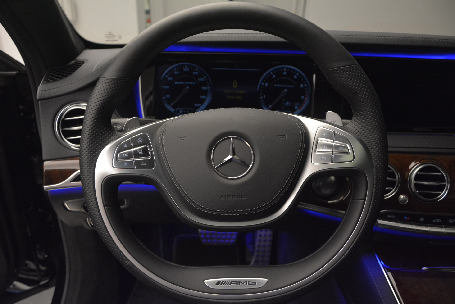 Used 2014 Mercedes Benz S-Class S 63 AMG For Sale In Westport, CT 912_p35