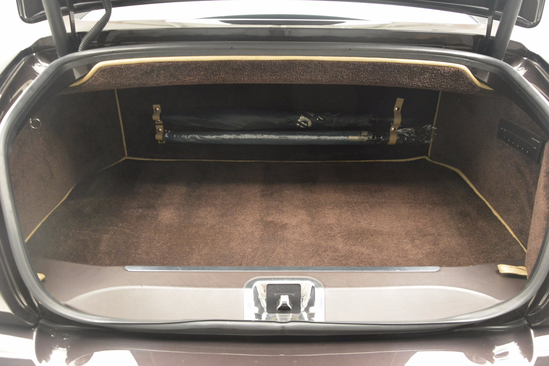 Used 2009 Bentley Brooklands  For Sale In Westport, CT 925_p29
