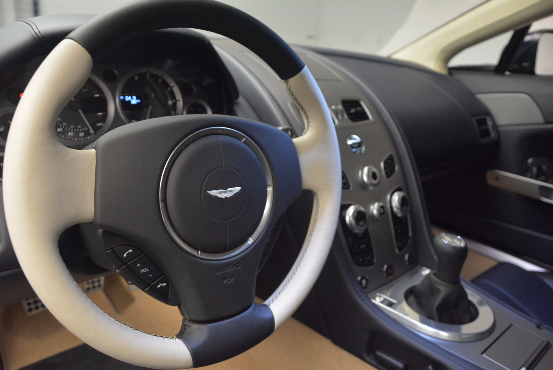 Used 2016 Aston Martin V8 Vantage  For Sale In Westport, CT 942_p16