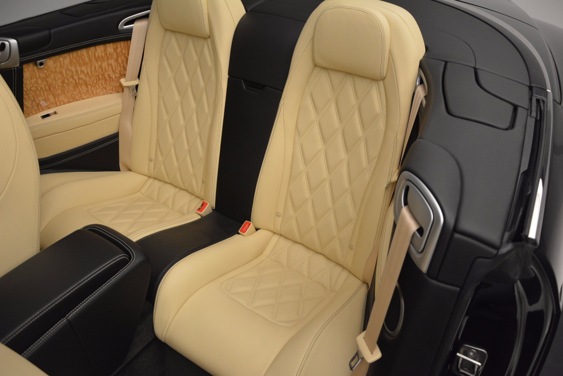 Used 2013 Bentley Continental GT V8 For Sale In Westport, CT 945_p38