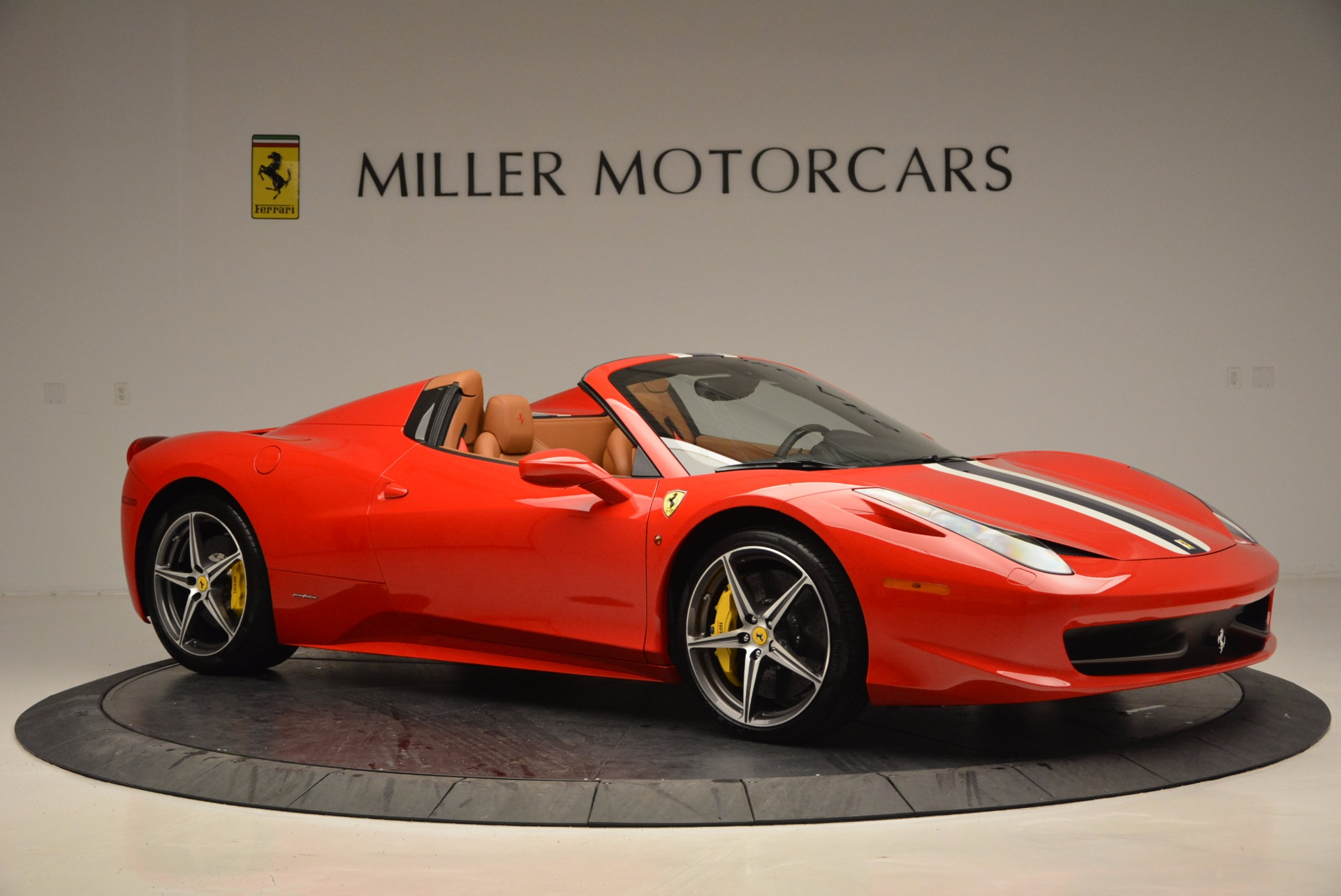 Used 2014 Ferrari 458 Spider  For Sale In Westport, CT 952_p10