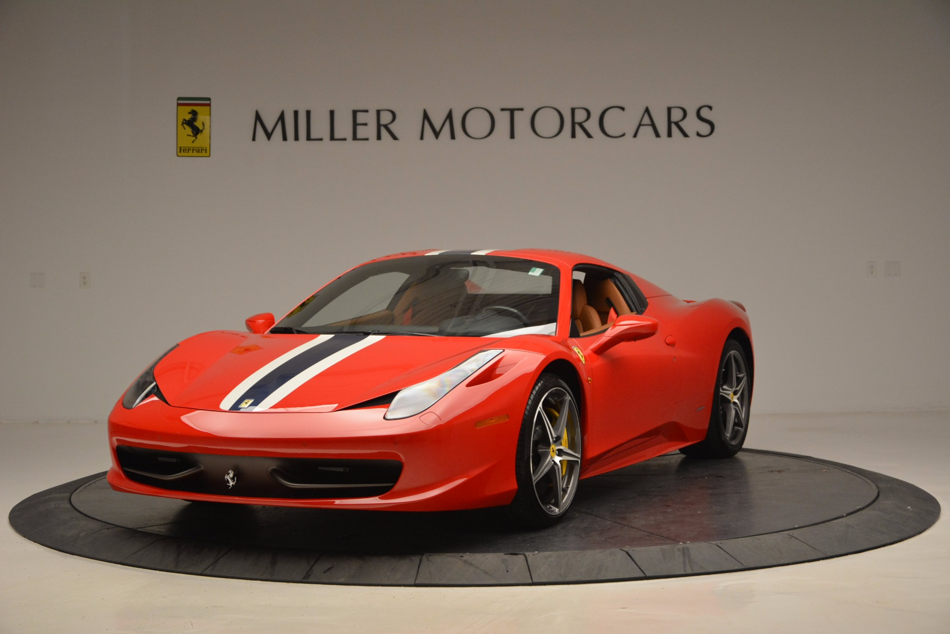 Used 2014 Ferrari 458 Spider  For Sale In Westport, CT 952_p13