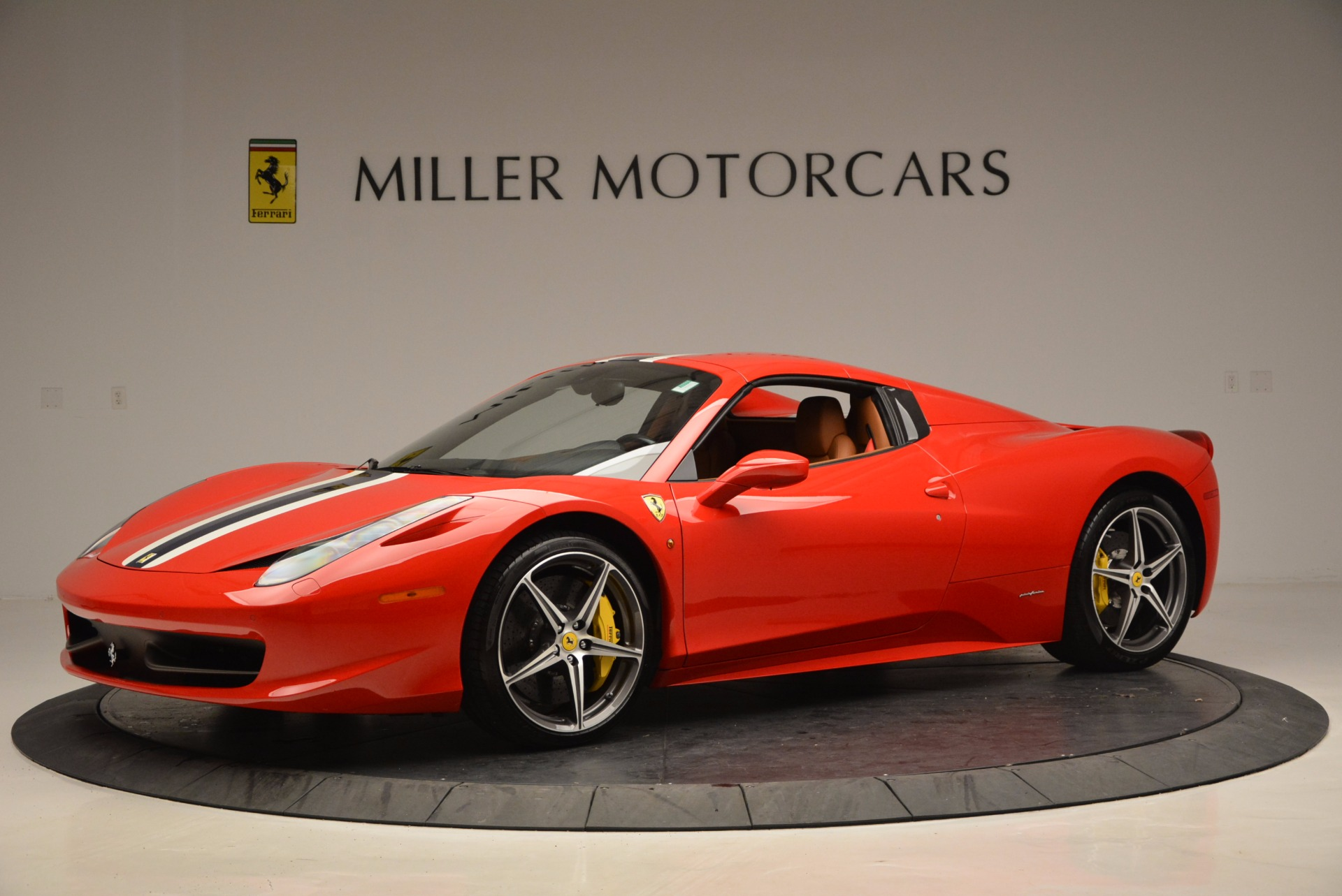 Used 2014 Ferrari 458 Spider  For Sale In Westport, CT 952_p14