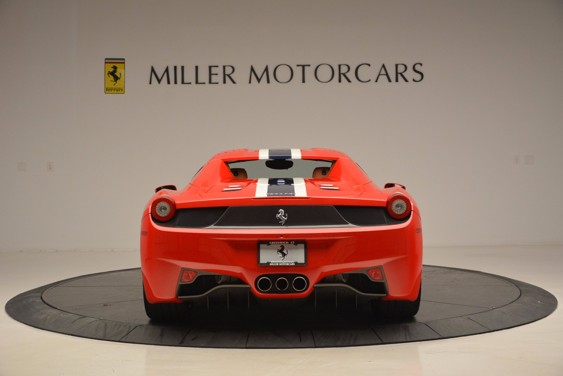Used 2014 Ferrari 458 Spider  For Sale In Westport, CT 952_p18