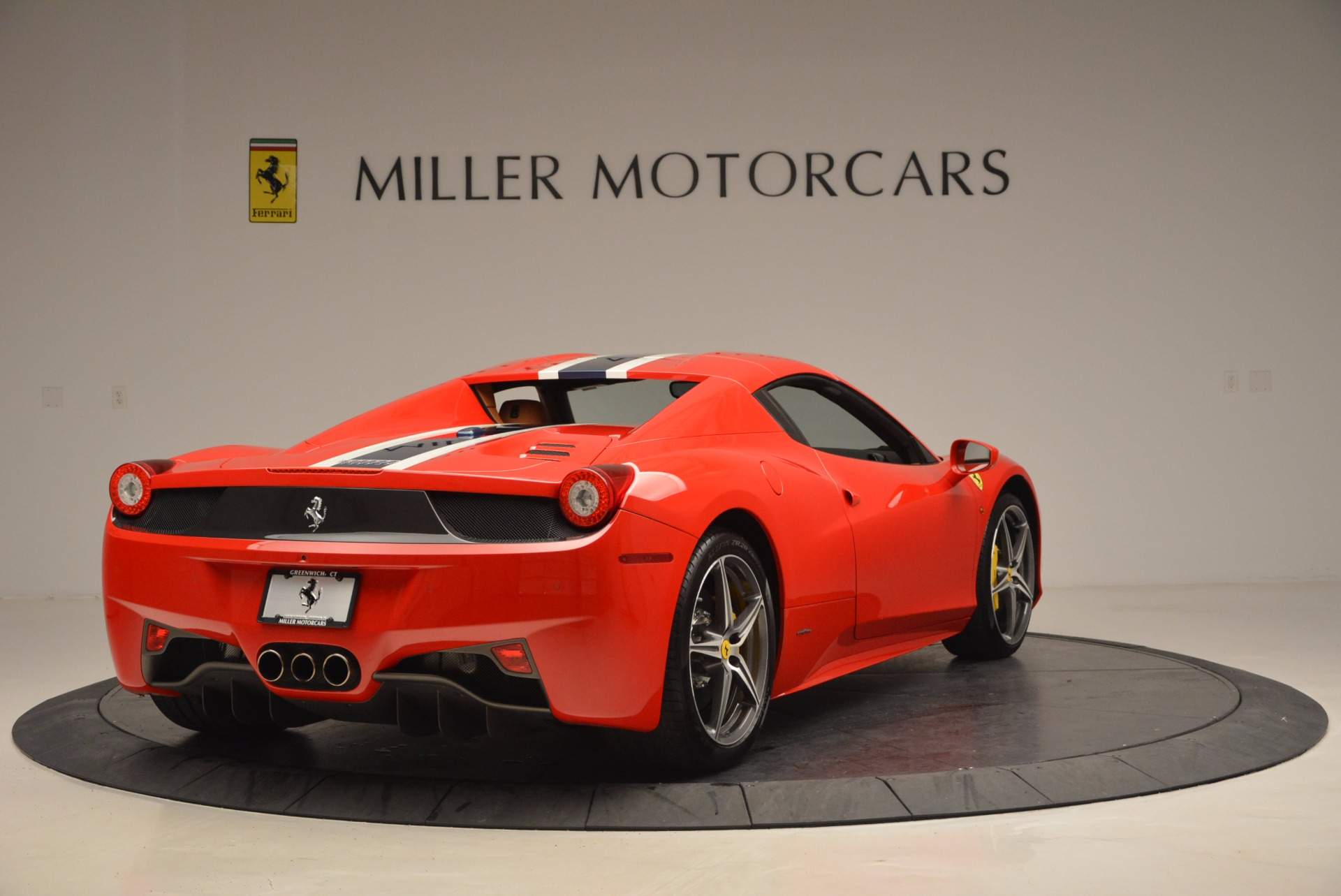 Used 2014 Ferrari 458 Spider  For Sale In Westport, CT 952_p19