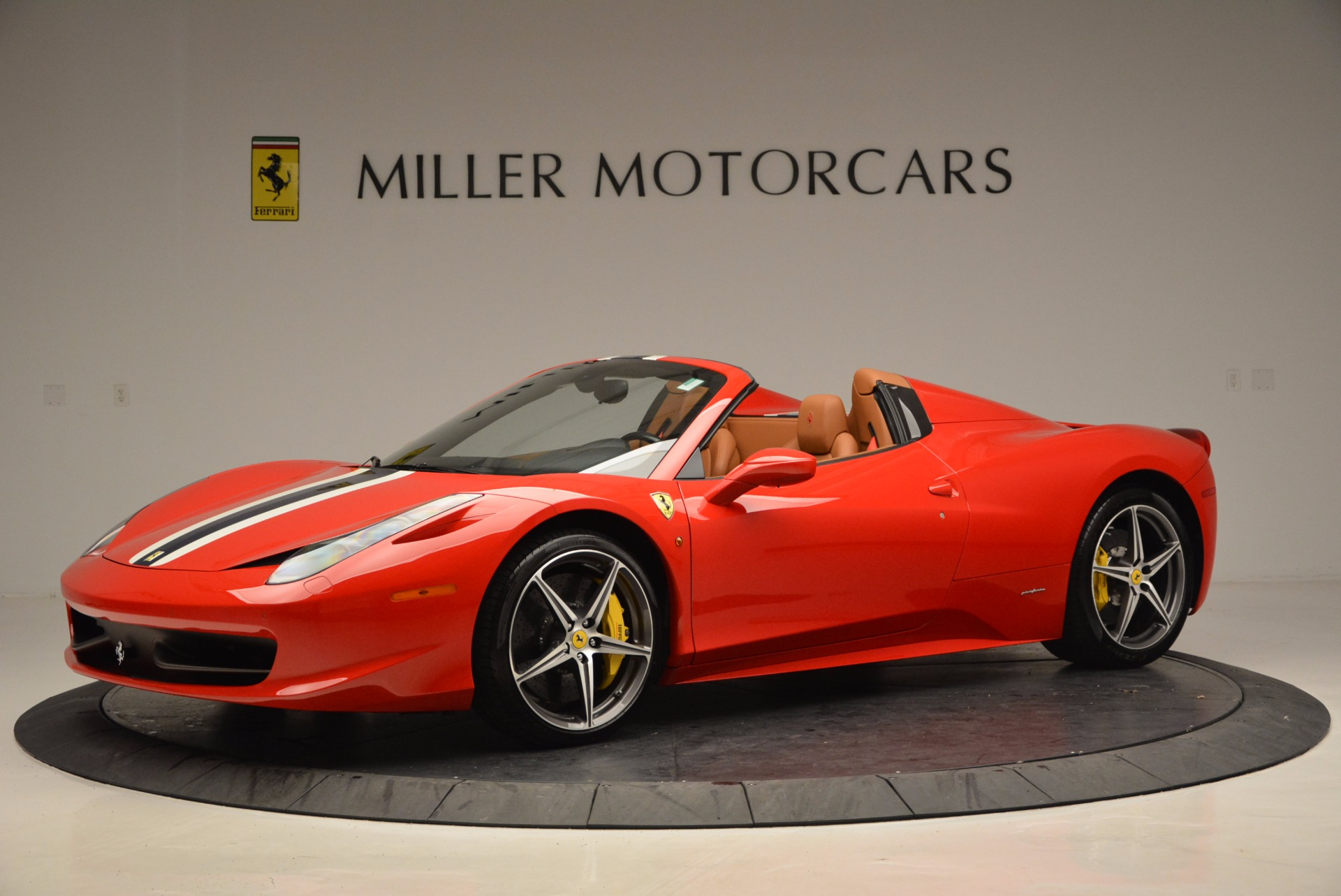 Used 2014 Ferrari 458 Spider  For Sale In Westport, CT 952_p2