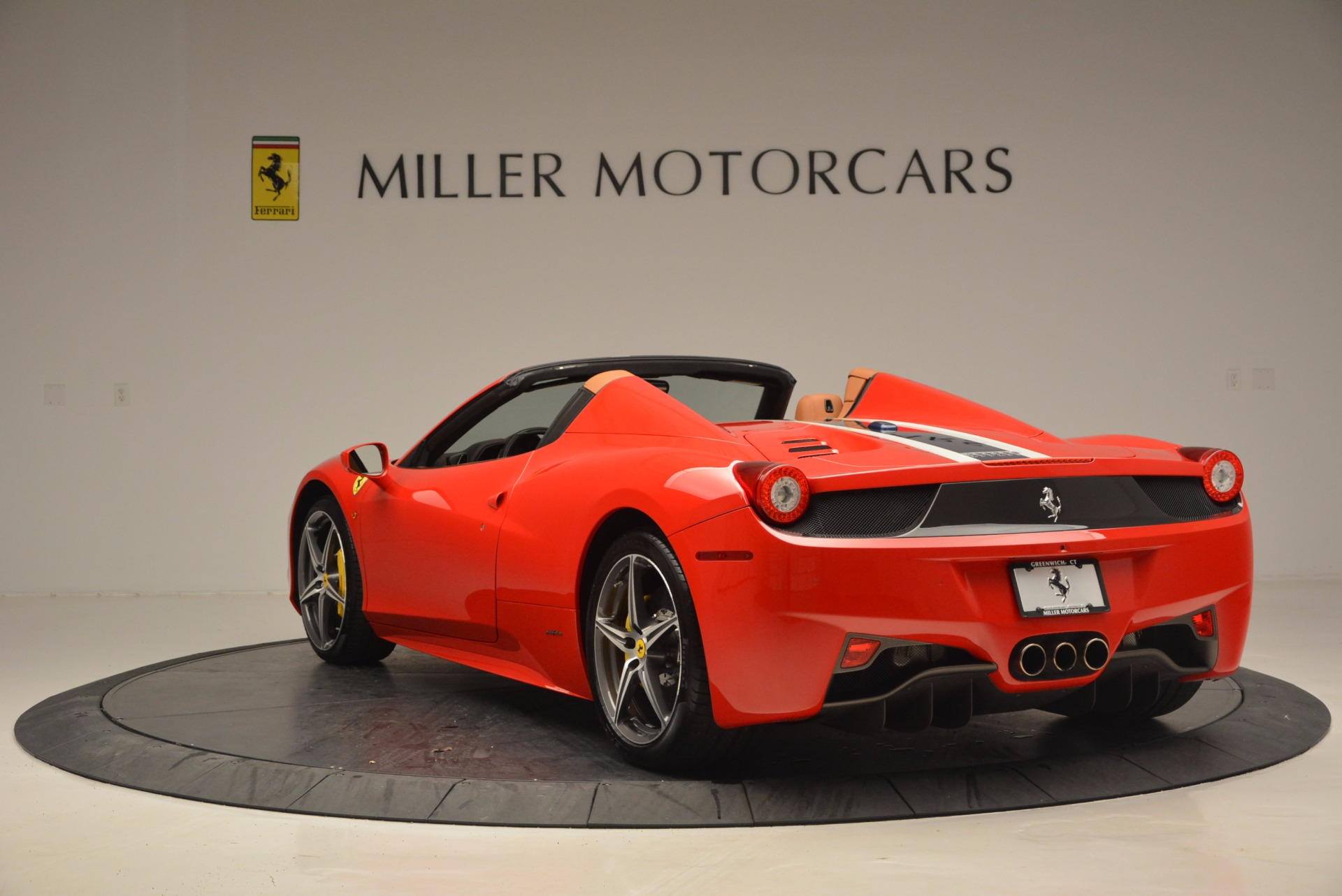 Used 2014 Ferrari 458 Spider  For Sale In Westport, CT 952_p5