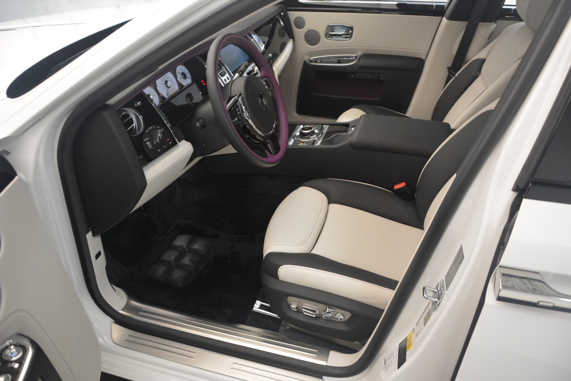 Used 2017 Rolls-Royce Ghost  For Sale In Westport, CT 971_p18
